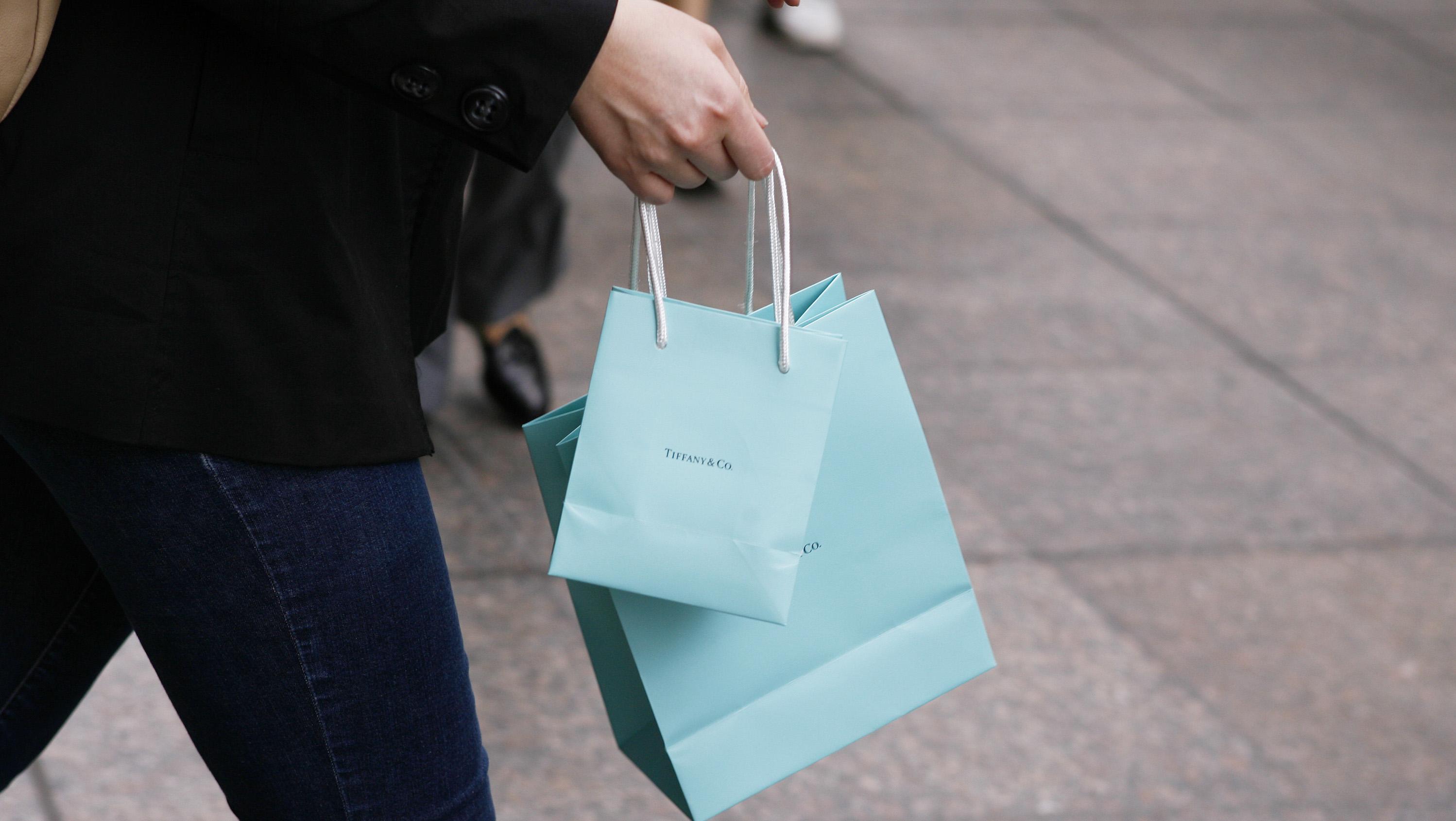 Tiffany's shopping bag