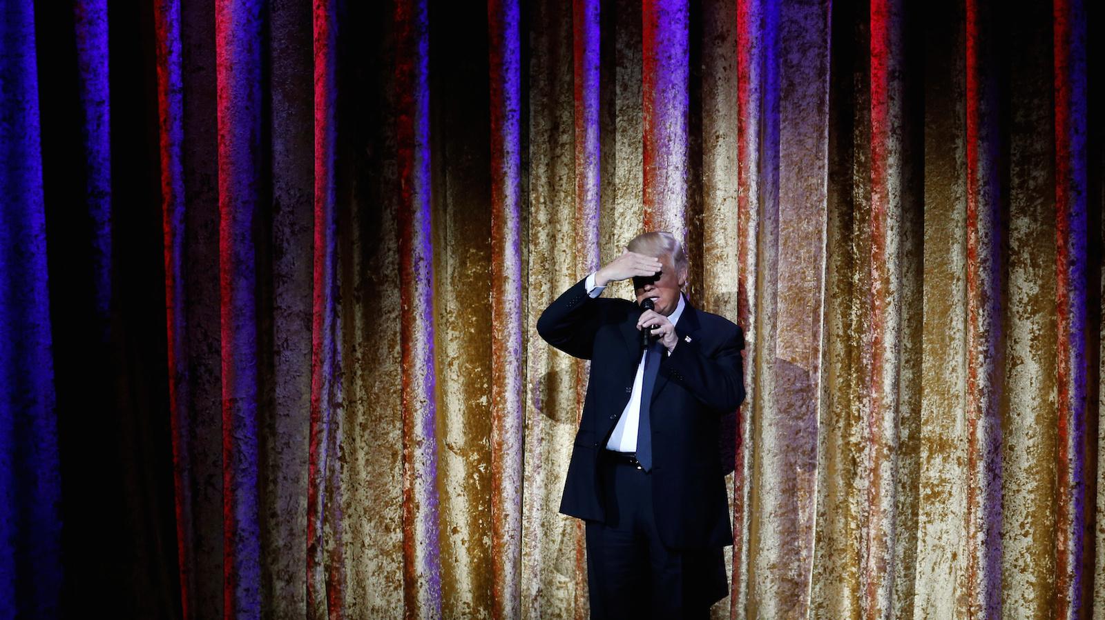 Syneidesis, a billionaires' club run by William Doll, wants