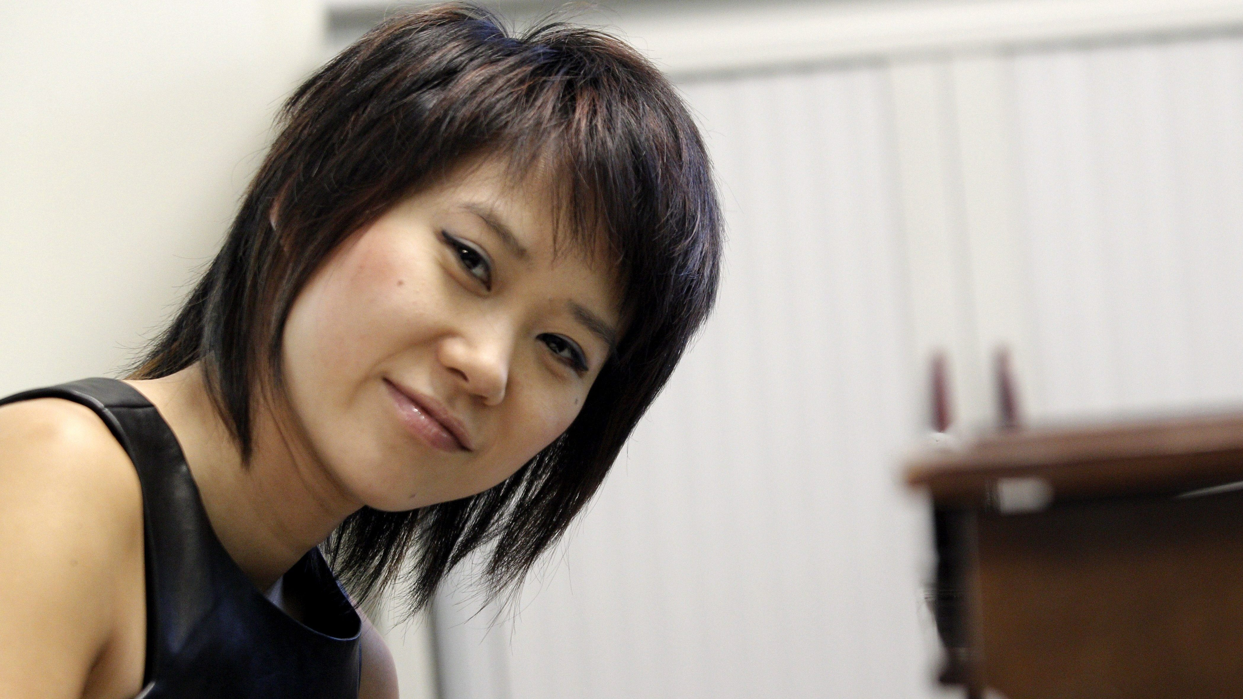 Chinese-born pianist Yuja Wang poses for photographers during her interview to Spanish news Agency EFE in Madrid, Spain, 10 May 2014. Yuja Wang will close the piano season of La Maestranza Theatre in Sevilla with a concert on 13 May 2014. EPA/ZIPI