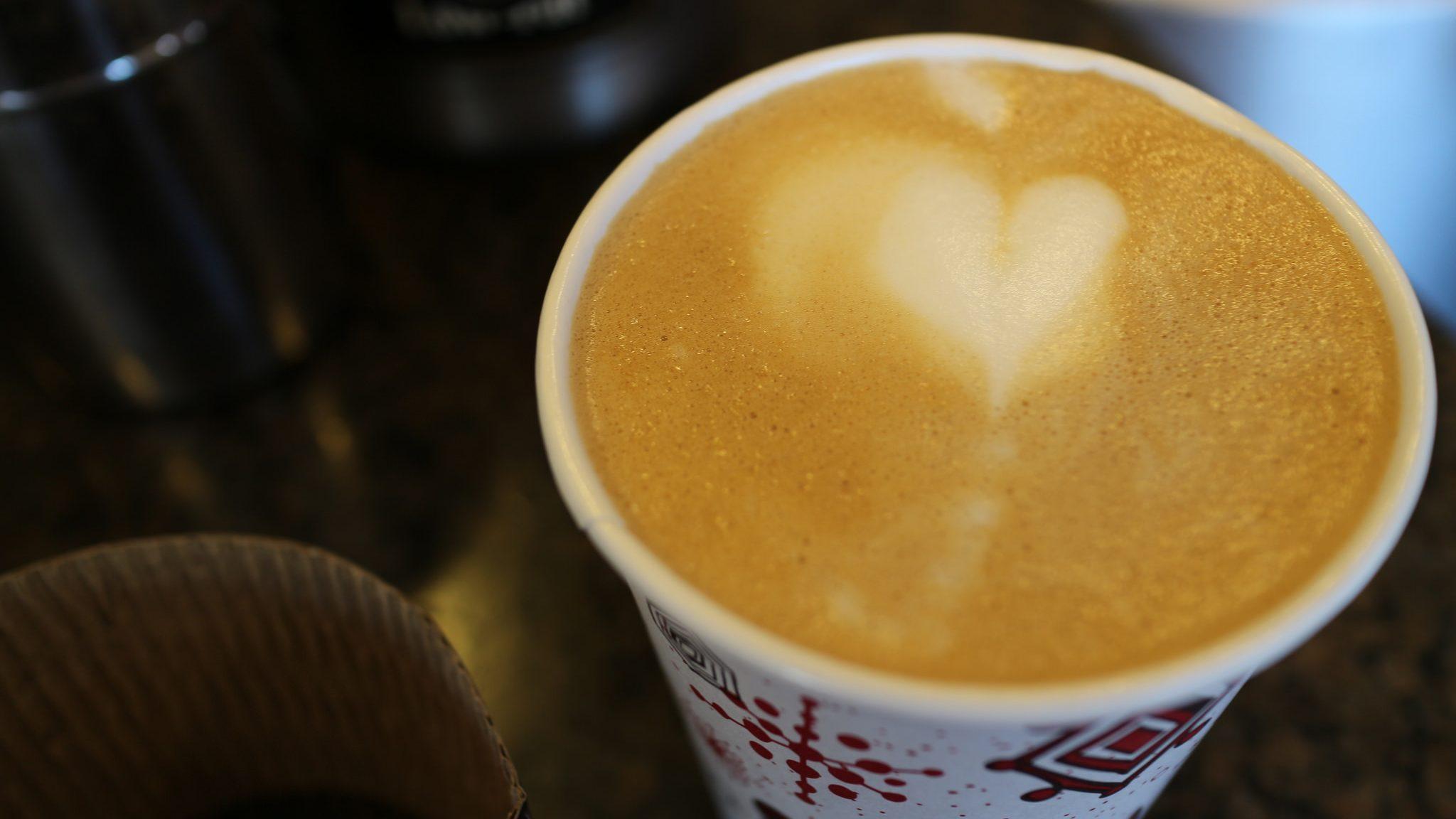 A cinnamon latte.