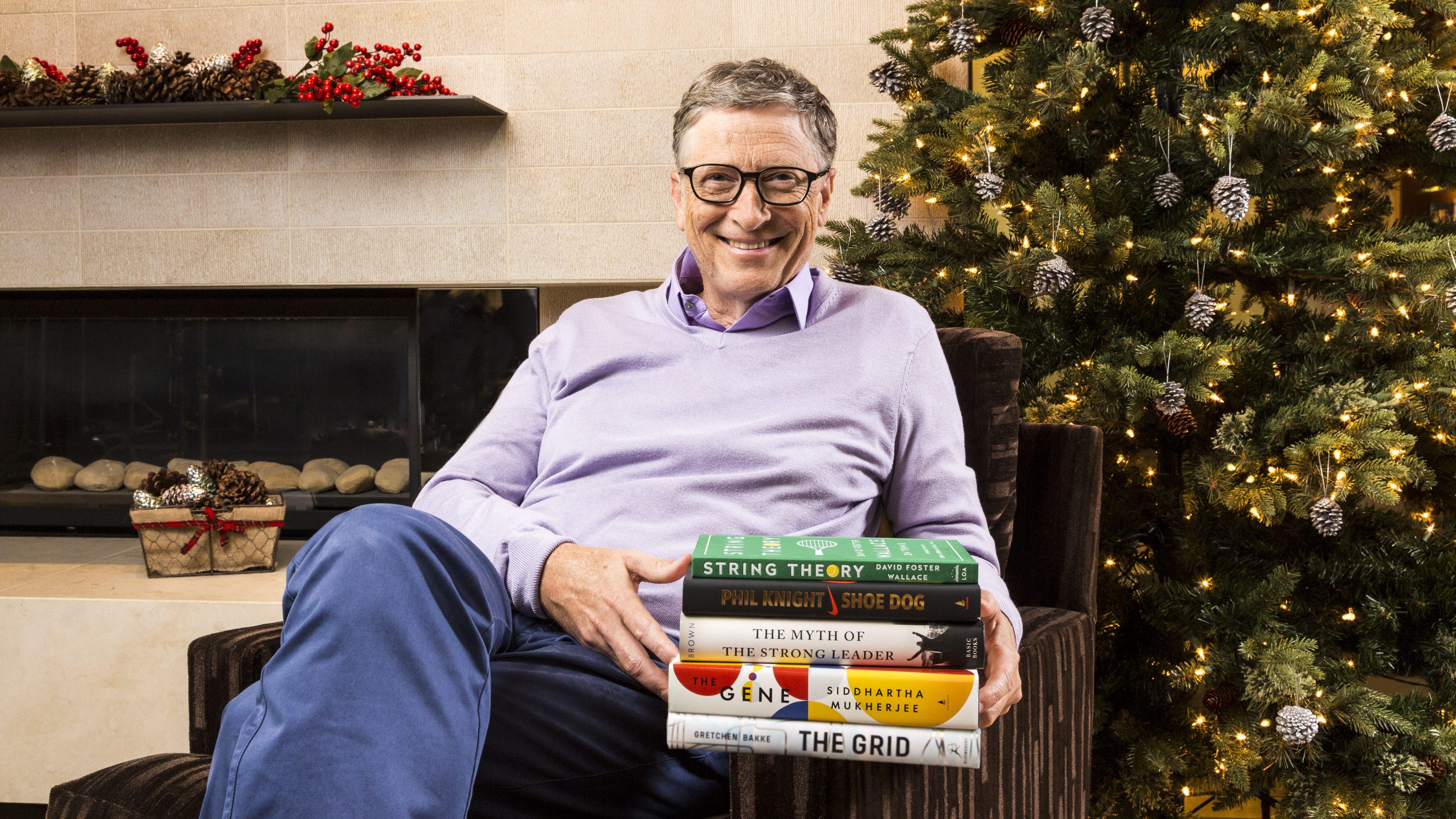 bill gates reading books 2016