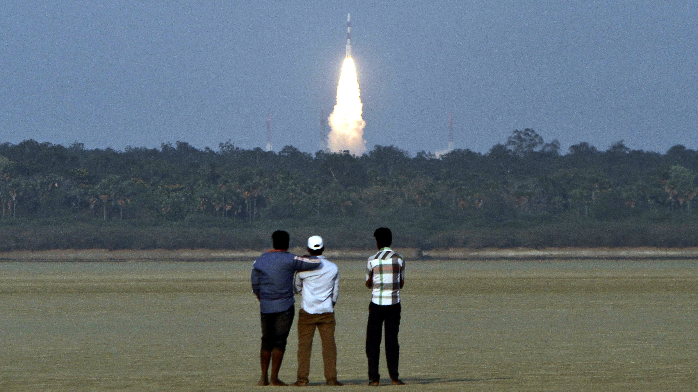 India's Polar Satellite Launch Vehicle (PSLV-C24), carrying the second navigation satellite of the Indian Regional Navigation Satellite System IRNSS-1B, lifts off from the Satish Dhawan Space Centre in Sriharikota, about 100 km (62 miles) north of the southern Indian city of Chennai April 4, 2014.