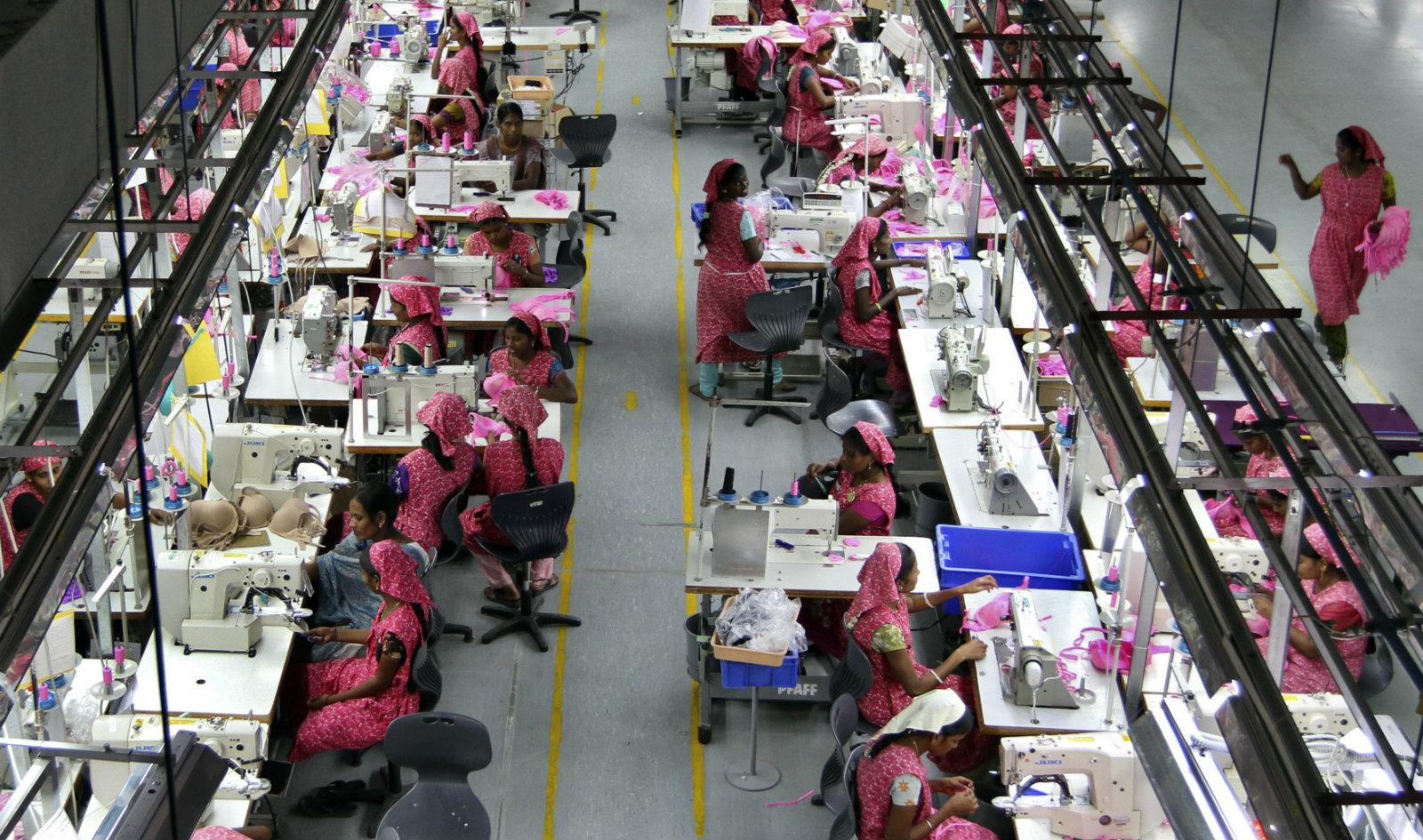 India-women-workers-economy