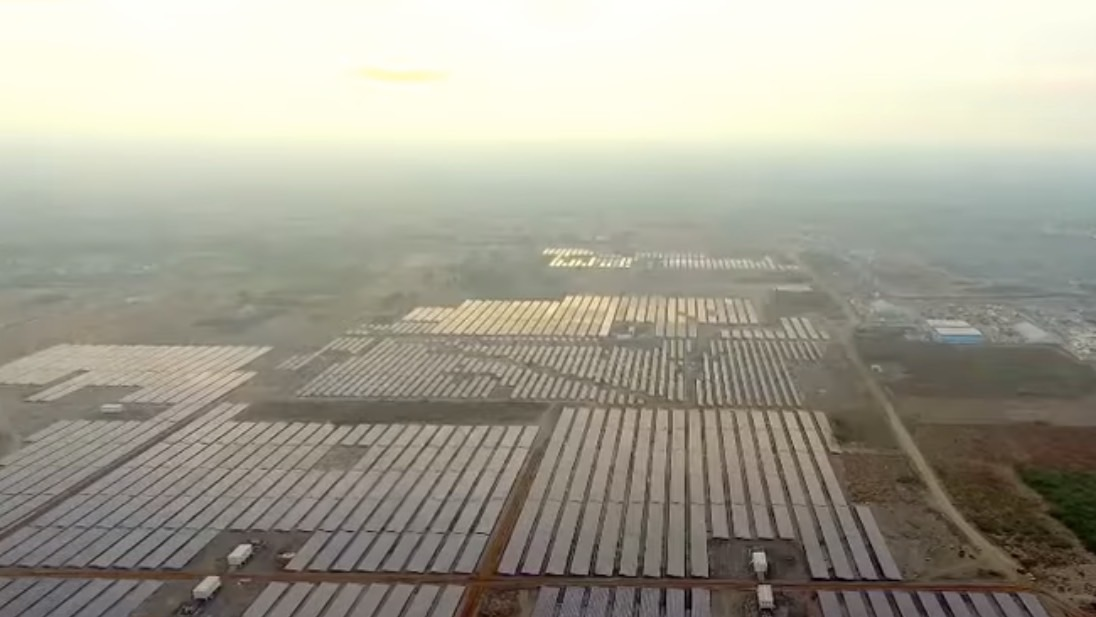 India's Kamuthi solar plant is now the world's largest, and