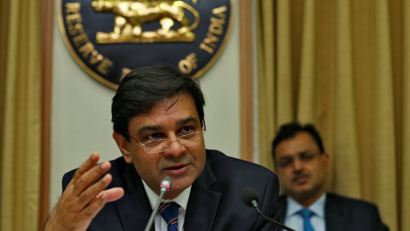 The Reserve Bank of India (RBI) Governor Urjit Patel attends a news conference after the bimonthly monetary policy review in Mumbai, India December 7, 2016.