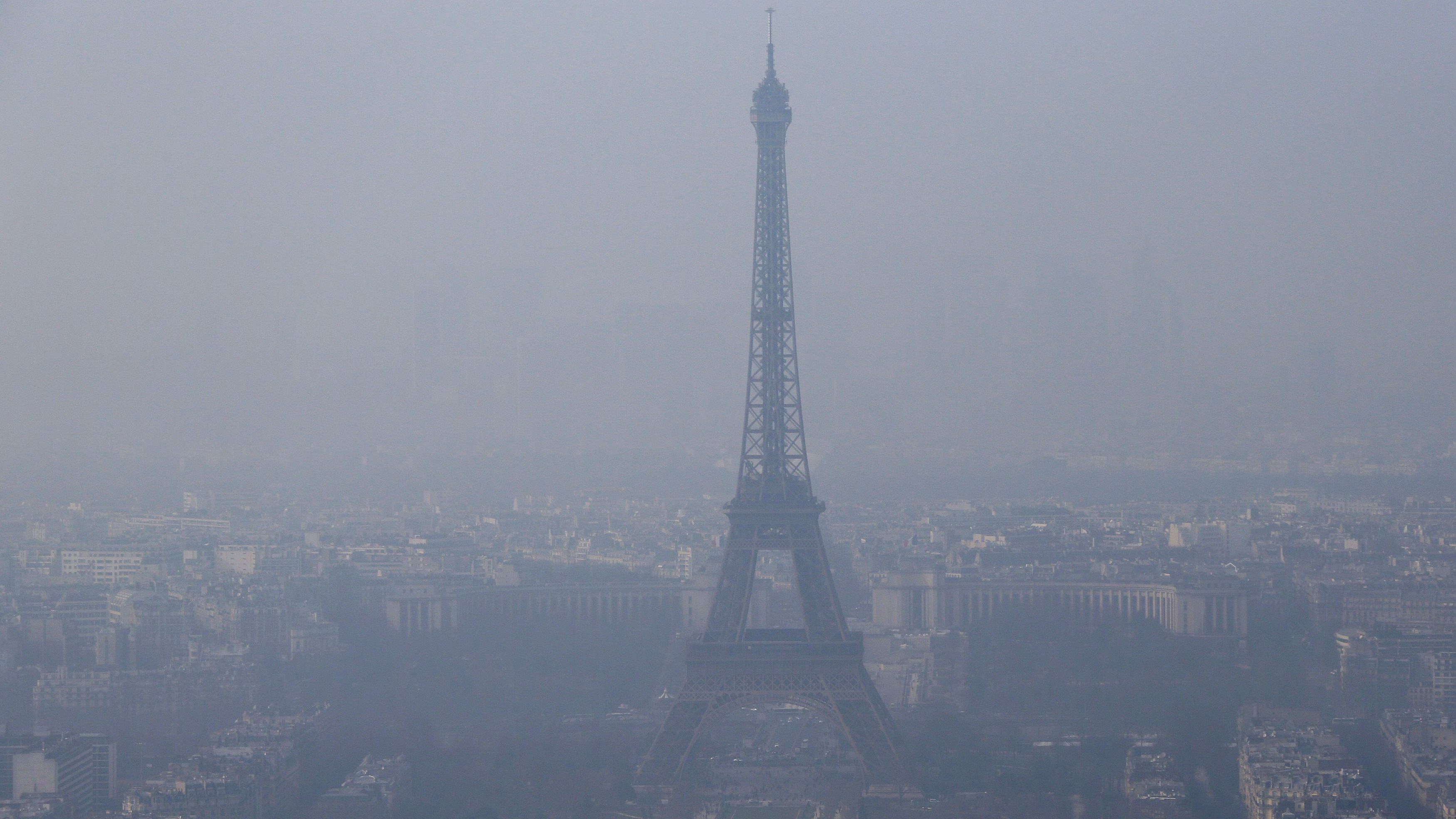 Paris is banning diesel cars to stop pollution like this around the Eiffel Tower