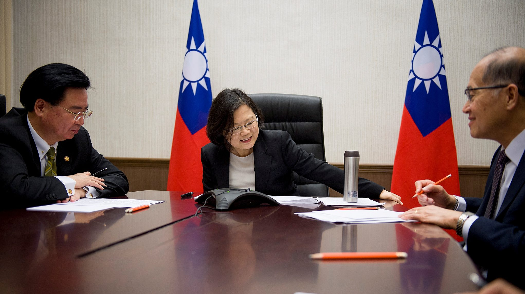 Taiwan's President Tsai Ing-wen speaks on the phone with U.S. president-elect Donald Trump at her office in Taipei, Taiwan, December 3, 2016. Taiwan Presidential Office/Handout via REUTERS      ATTENTION EDITORS - THIS IMAGE WAS PROVIDED BY A THIRD PARTY. EDITORIAL USE ONLY. NO RESALES. NO ARCHIVE. TAIWAN OUT. - RTSUFKY