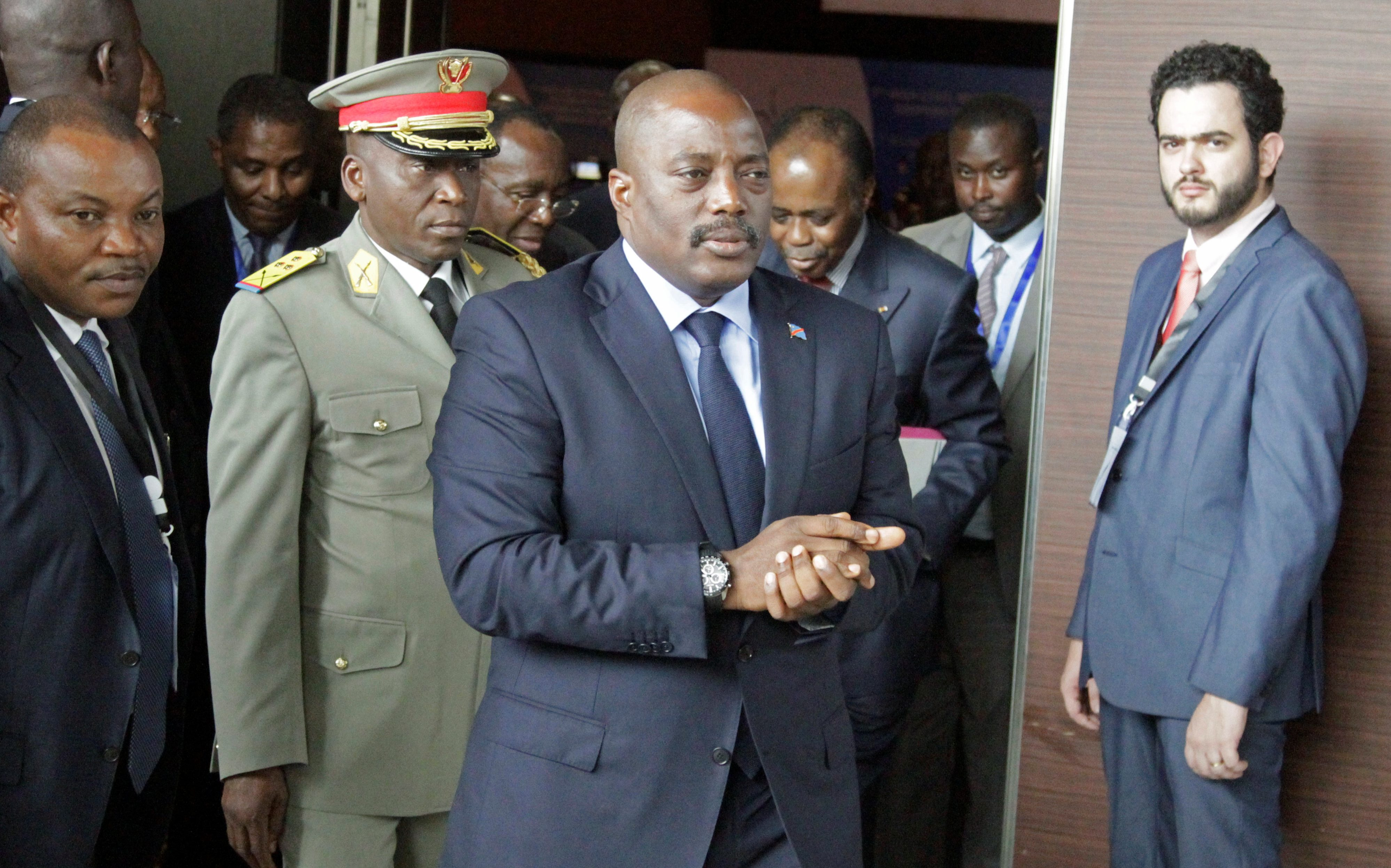 Democratic Republic of Congo's President Joseph Kabila arrives for a southern and central African leaders' meeting to discuss the political crisis in the Democratic Republic of Congo in Luanda, Angola, October 26, 2016.