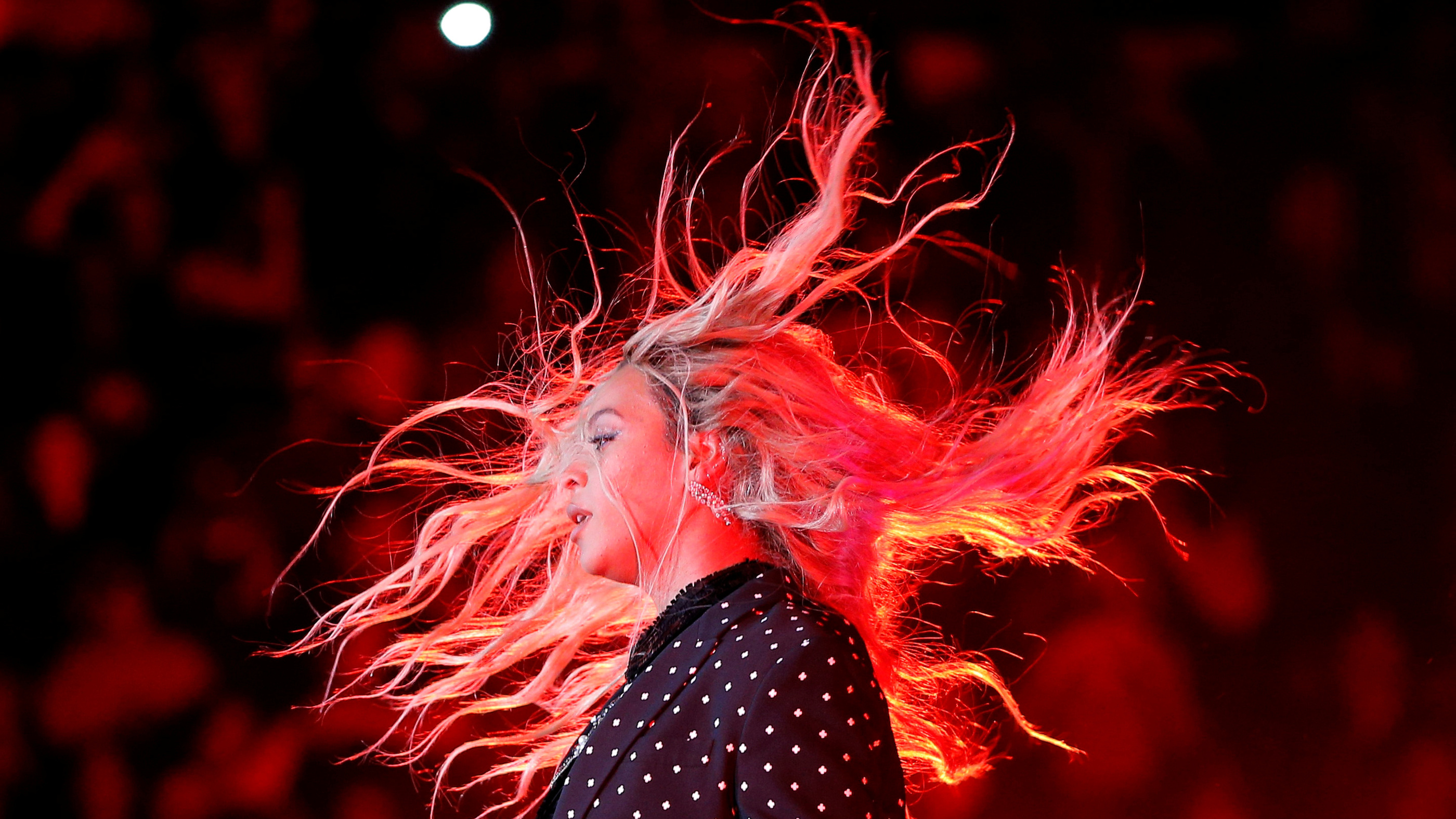 Beyonce performs at a campaign concert for U.S. Democratic presidential nominee Hillary Clinton in Cleveland, Ohio, U.S. November 4, 2016.  REUTERS/Brian Snyder      TPX IMAGES OF THE DAY      - RTX2S01I
