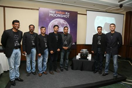 TeamIndus leaders announce their launch contract.