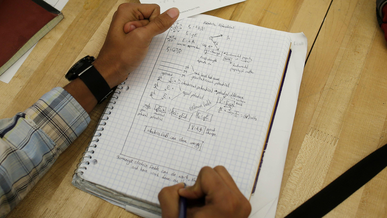 http://www.apimages.com/metadata/Index/Advanced-Placement-Exams/d371a0e2ea2c47ed99974b3679093e50/17/0
