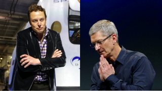 Tesla CEO Elon Musk (L) and Apple CEO Tim Cook (R)