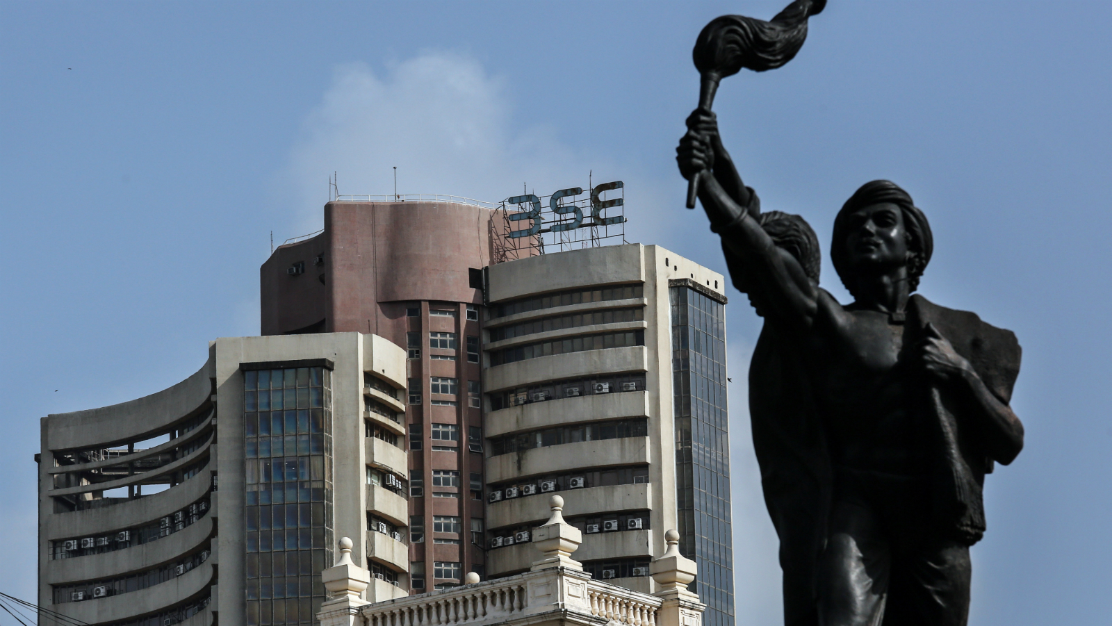 A general view of Bombay Stock Exchange (BSE) building in Mumbai, India, 02 September 2015. The Bombay Sensex Stock Exchange opened 25,891.95 points, trading at 25,476.95 points during the day, dropping by 219.49 points from the previous day's close.