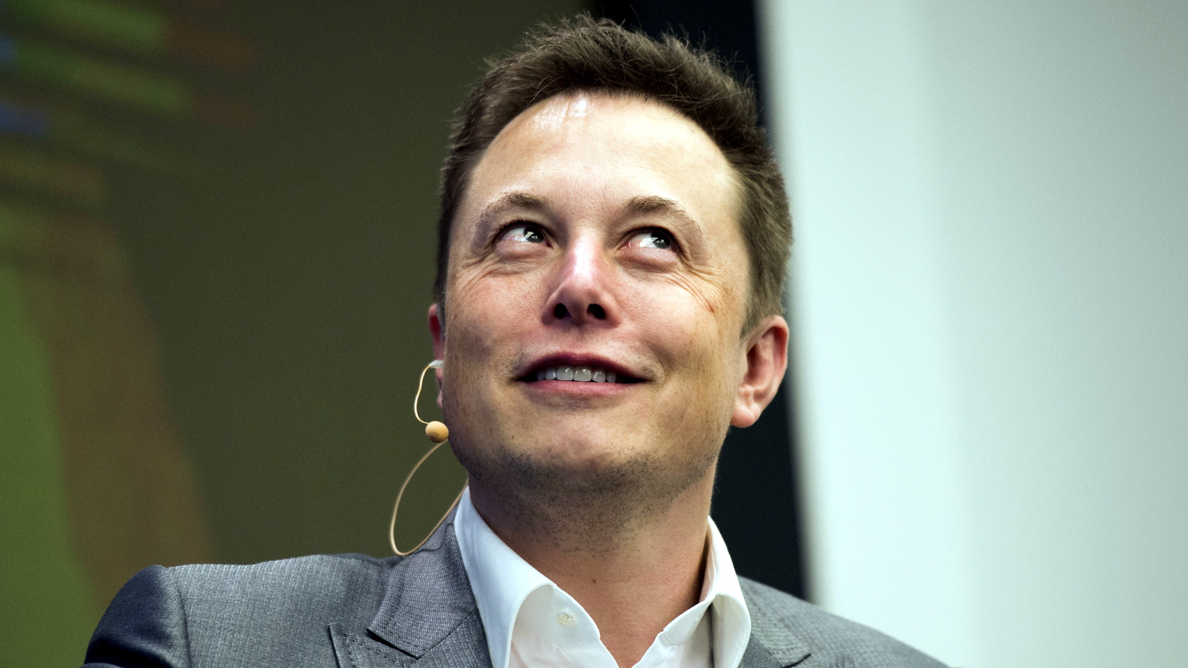 Elon Musk, Chairman of SolarCity and CEO of Tesla Motors, speaks at SolarCity's Inside Energy Summit in Manhattan, New York October 2, 2015. SolarCity on Friday said it had built a solar panel that is the most efficient in the industry at transforming sunlight into electricity.