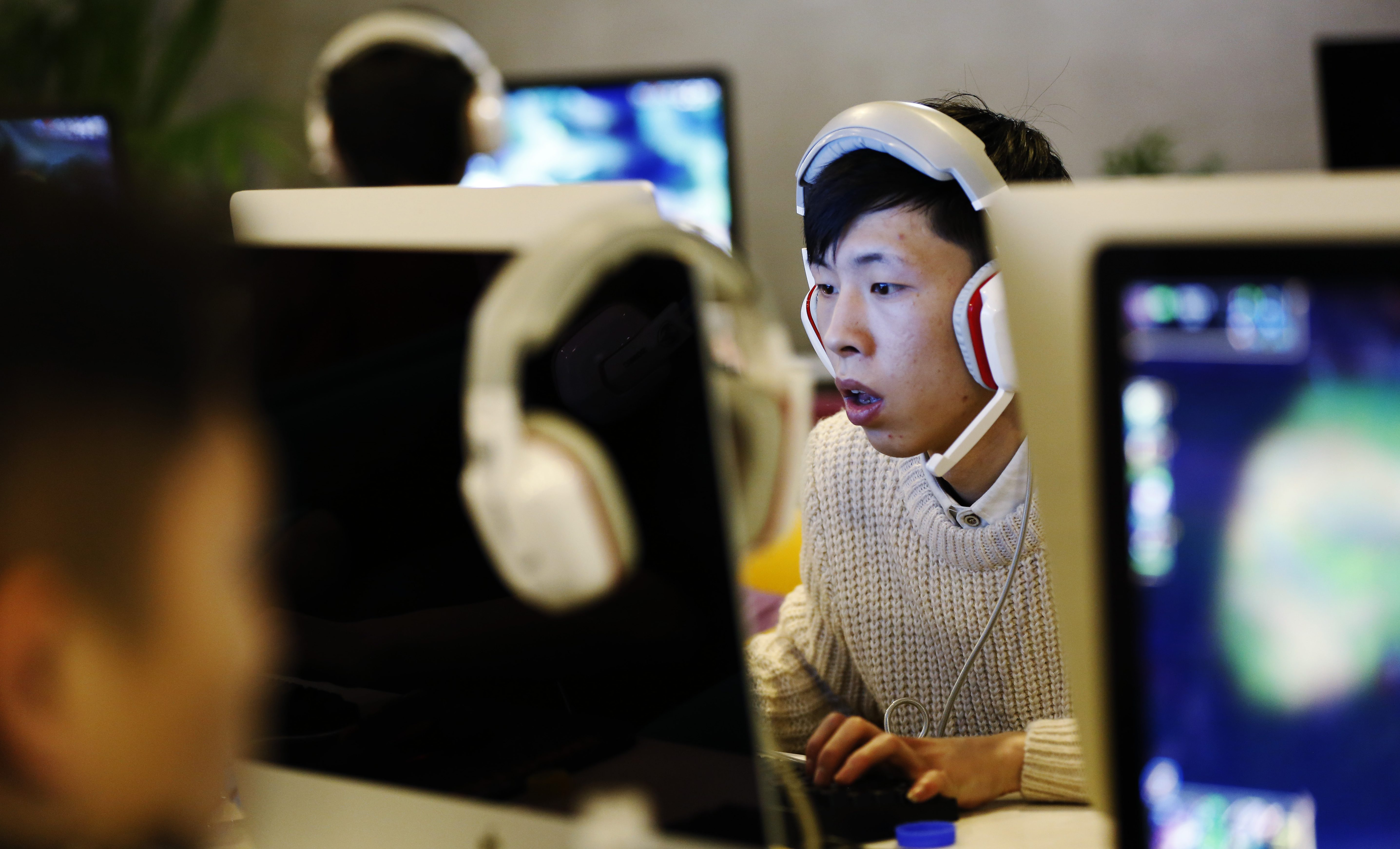 China is cracking down on VPNs, making it harder to jump the