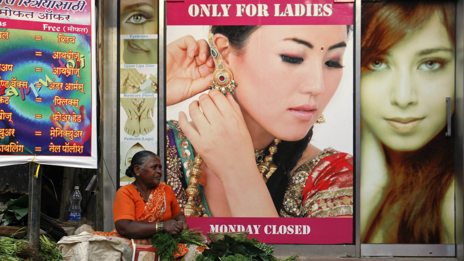 India-beauty-parlour-demonetisation