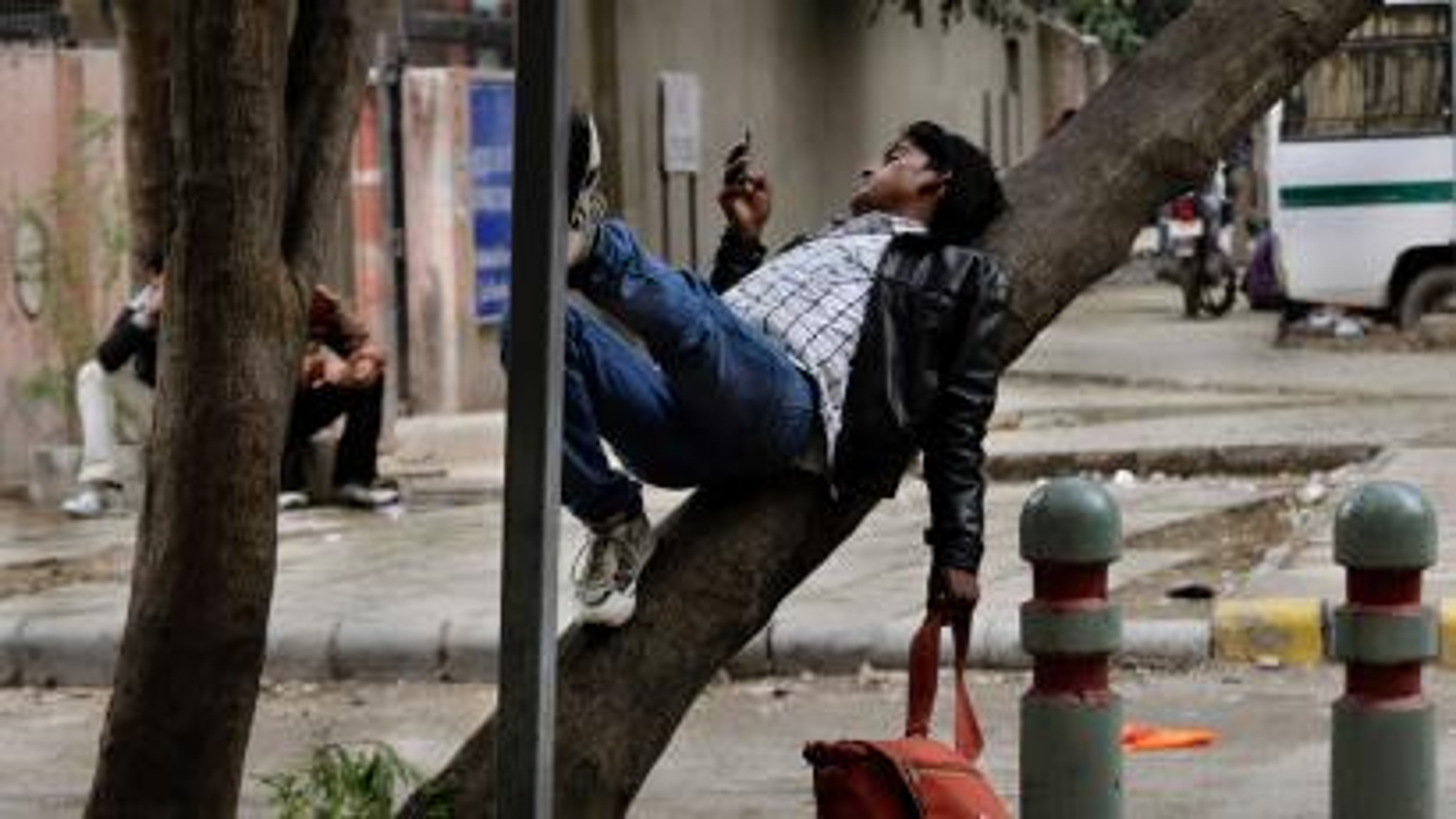 India smartphone user