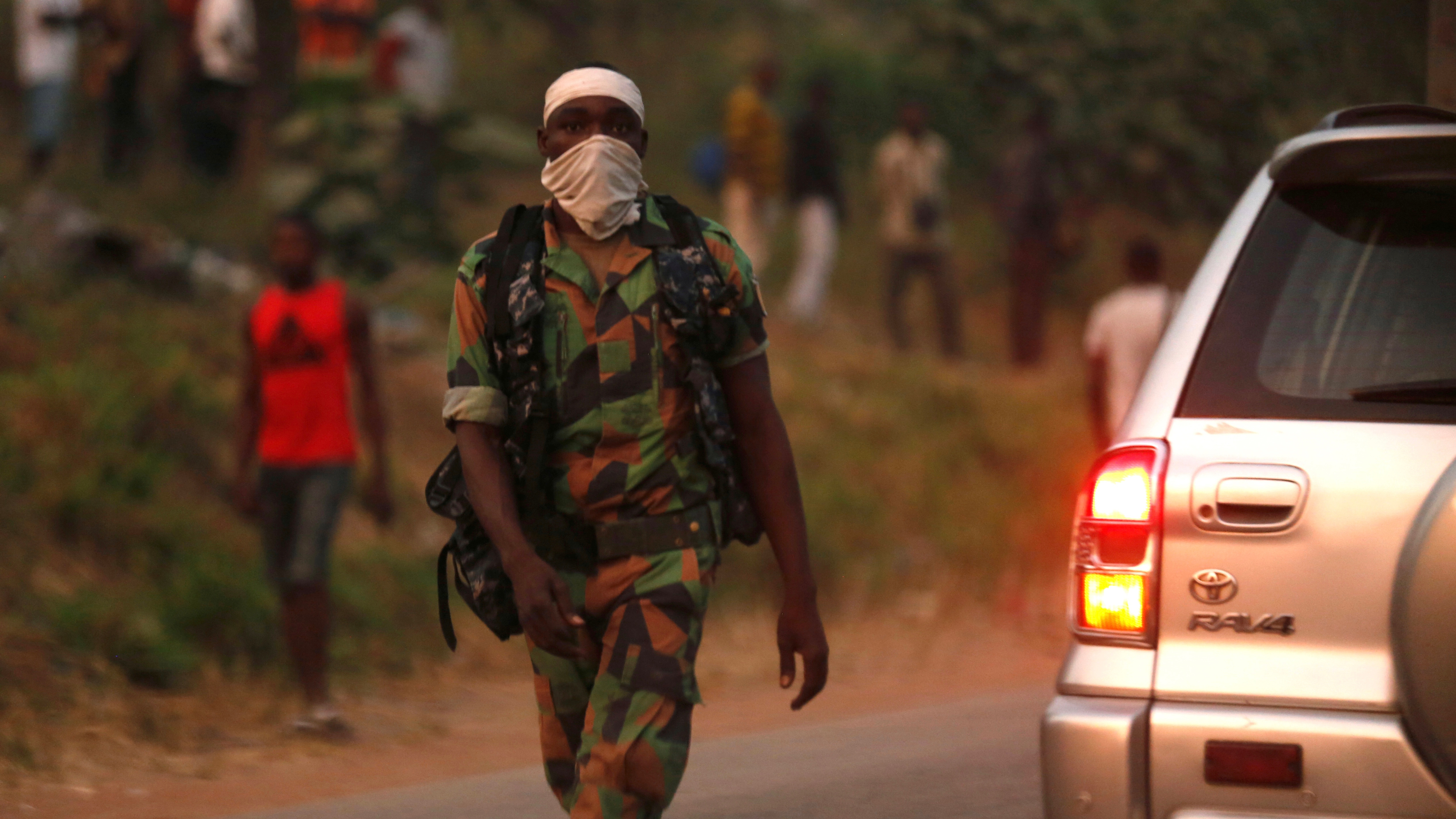 Political instability and mutinying soldiers mutiny threaten Cote D'Ivoire's economic growth