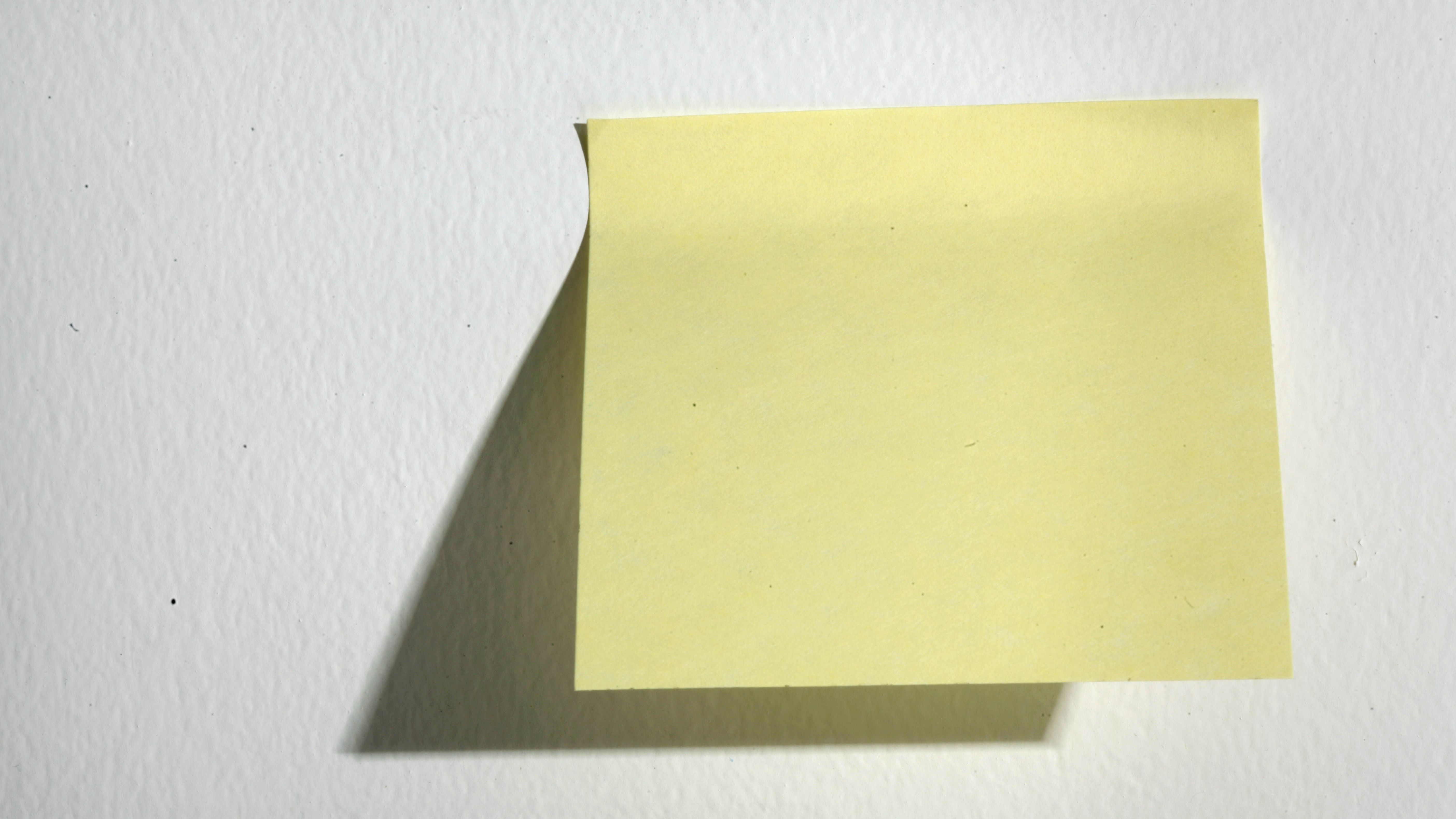 Sticky post-it note