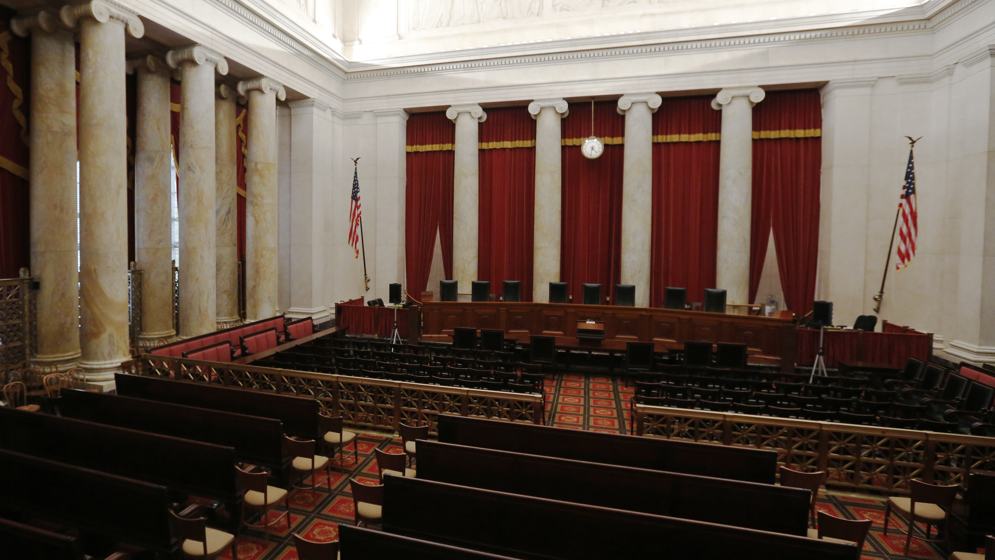 The courtroom of the U.S. Supreme Court is seen in Washington, U.S. on April 4, 2016. REUTERS/Jonathan Ernst/File Photo - RTSORBB