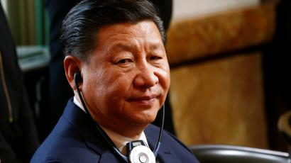 Chinese President Xi Jinping listensto a speech of Swiss President Leuthard at at the Bundeshaus in Bern