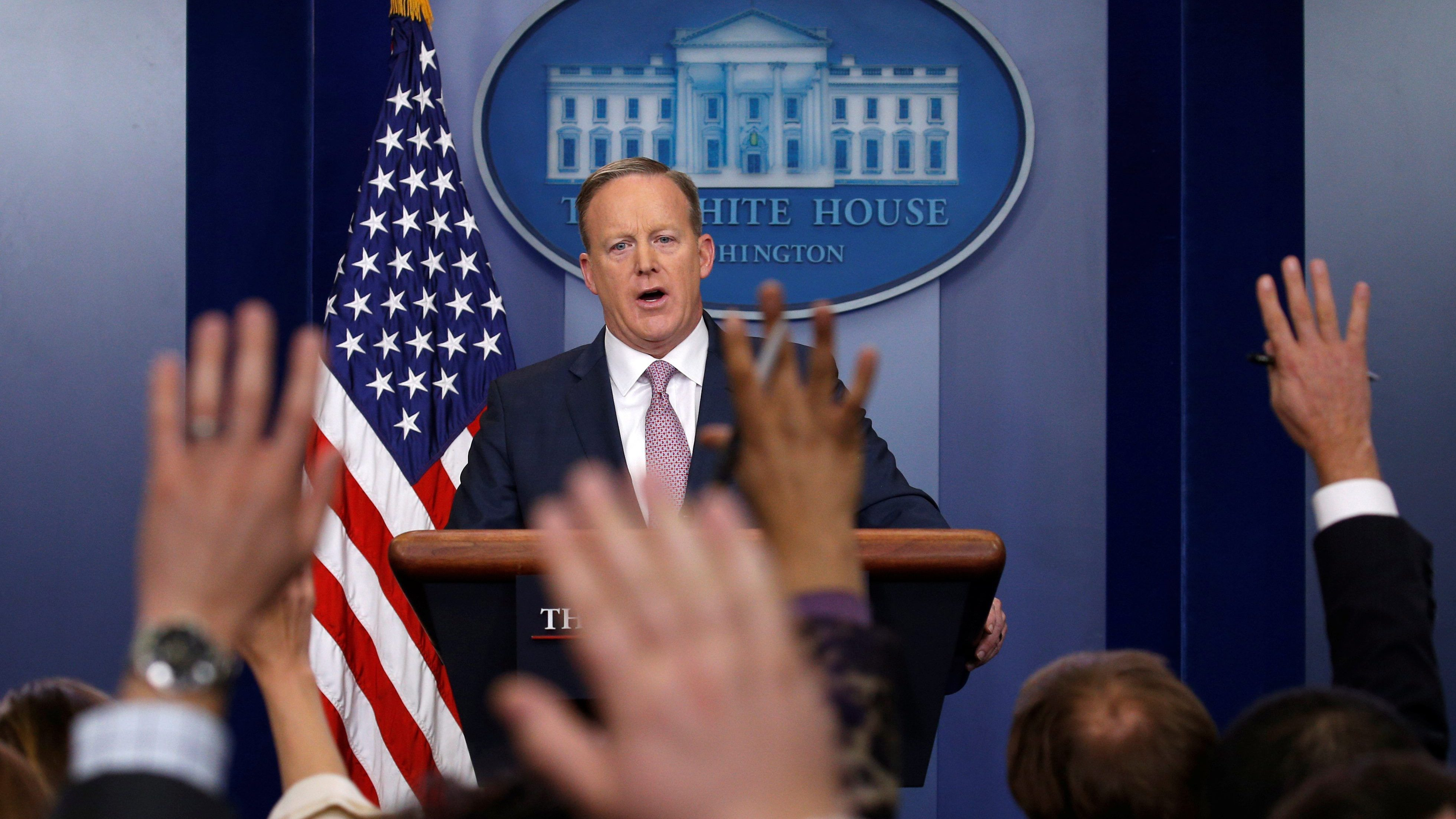 White House spokesman Sean Spicer holds a press briefing at the White House in Washington January 23, 2017.  REUTERS/Kevin Lamarque - RTSX0KK