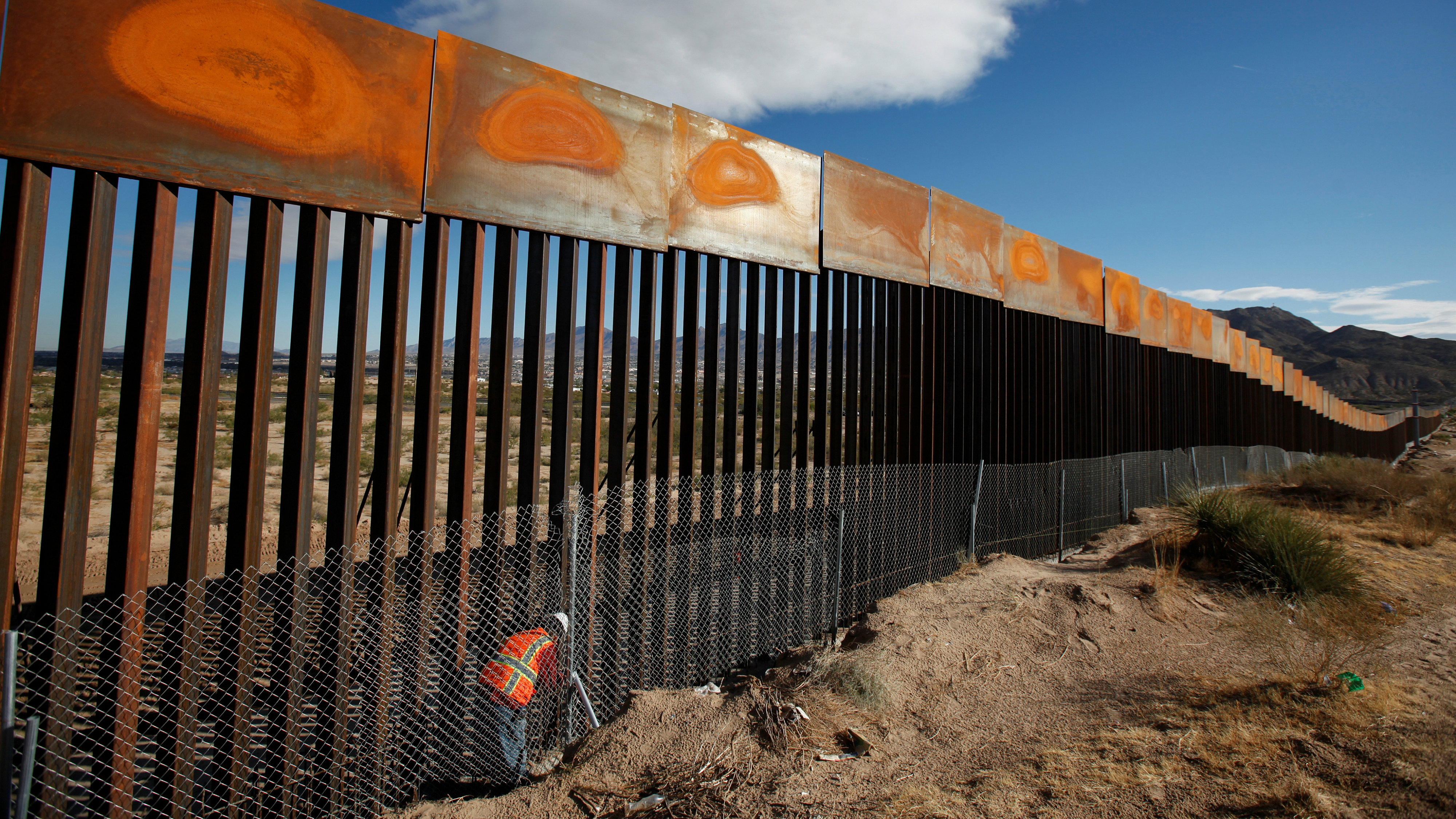 A wall along the Mexico-US border