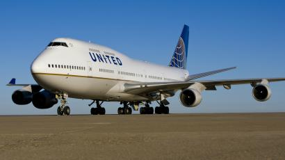 a United Boeing 747