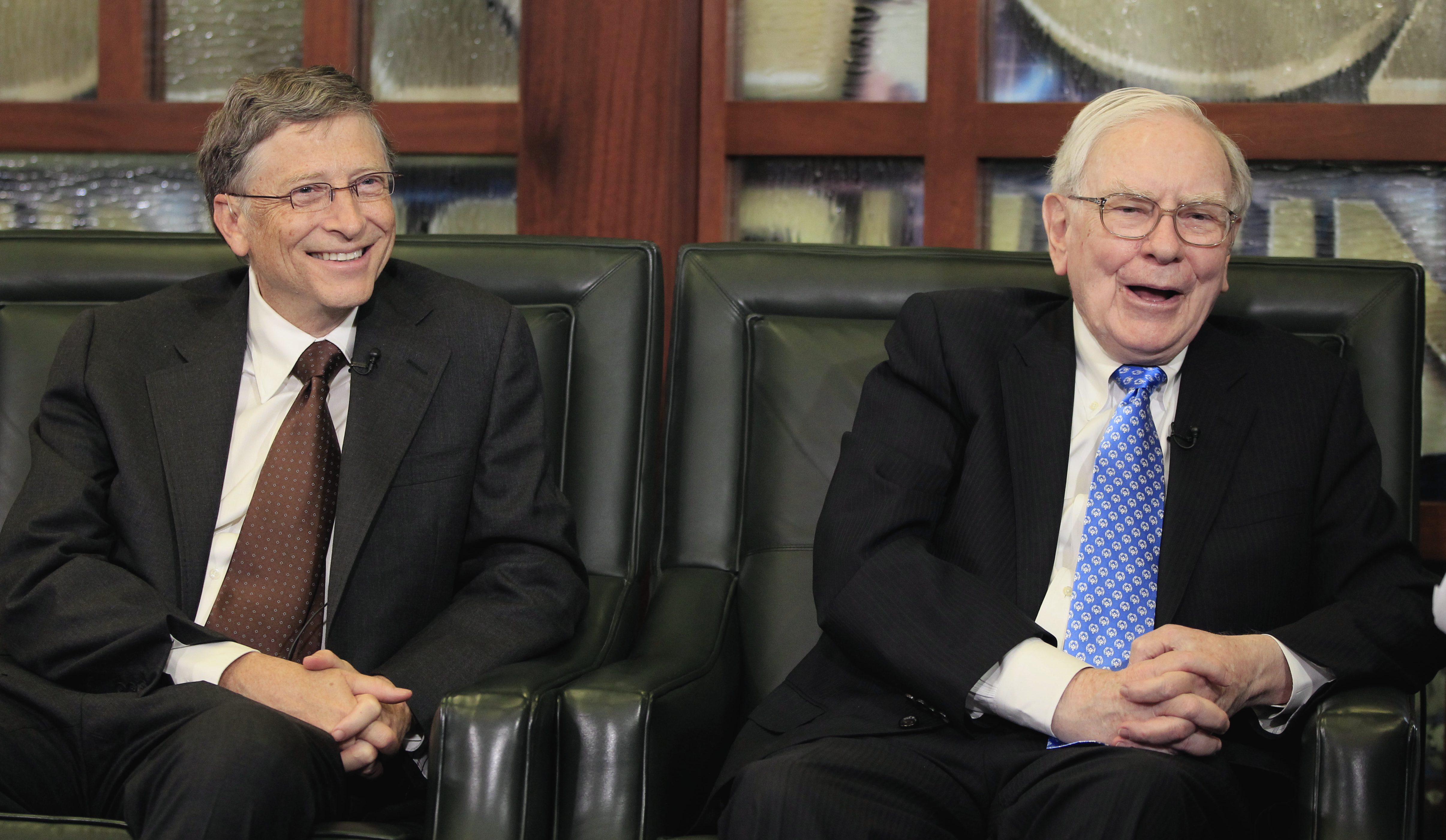 Warrenn Buffett and Bill Gates defend immigrants