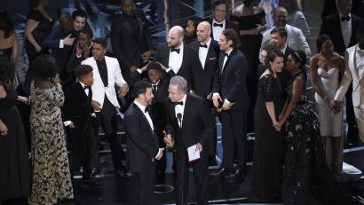 c667775ed94 Oscars 2017  What exactly happened with Moonlight s Best Picture win ...