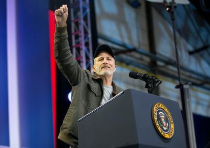 Jon Stewart offers advice to the media