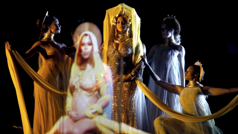beyonce-grammy-goddess