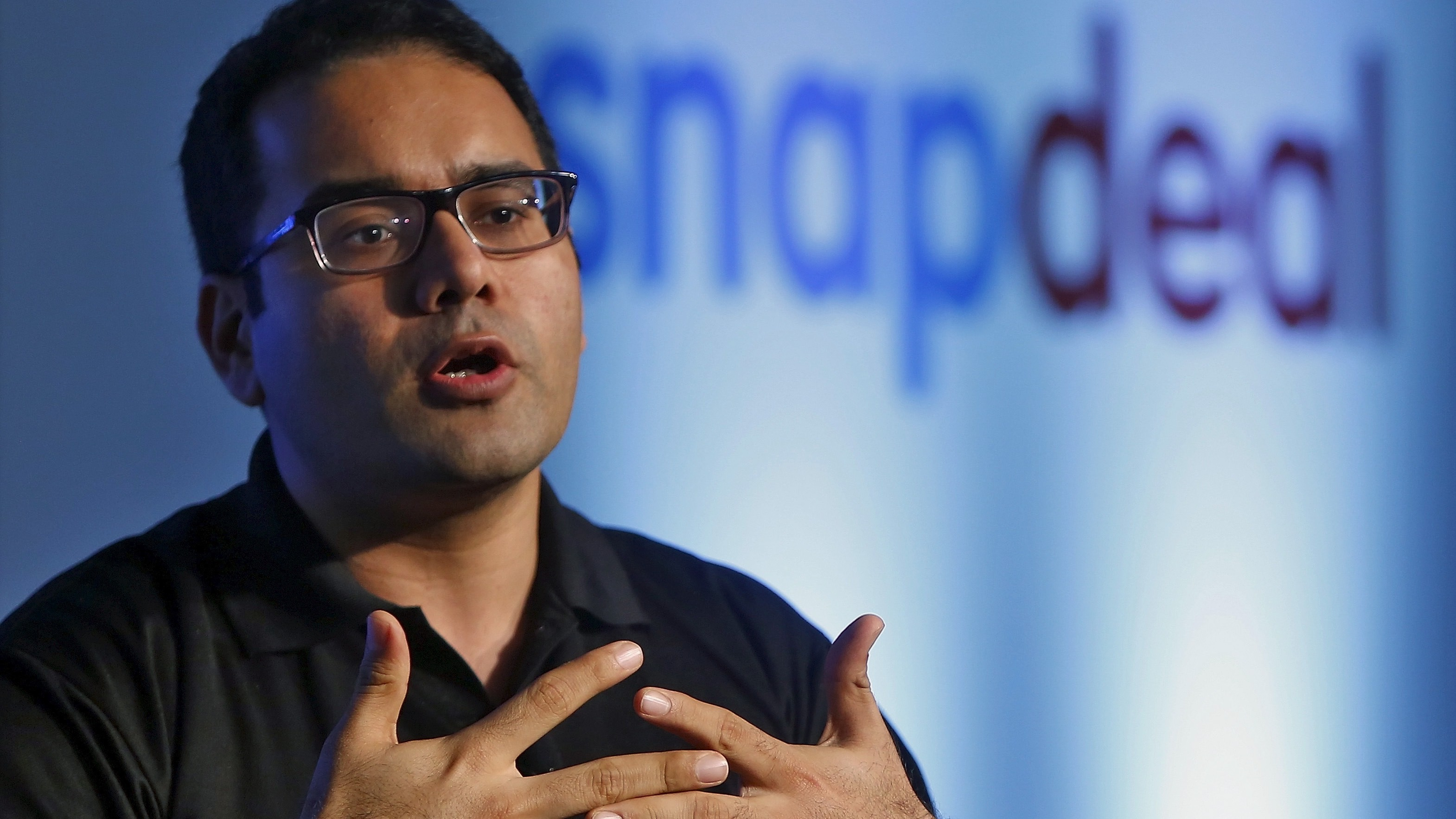 Kunal Bahl, co-founder of Indian online marketplace Snapdeal, gestures as he addresses the media during news conference in New Delhi, India, July 15, 2015. REUTERS/Anindito Mukherjee - RTX1KDB4
