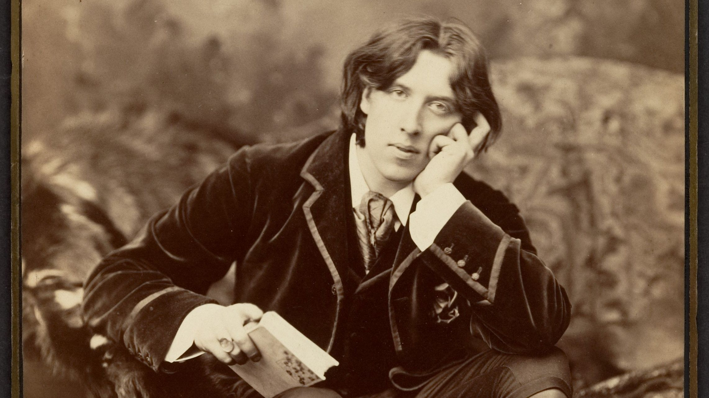 Oscar Wilde would have used Grindr — Quartz