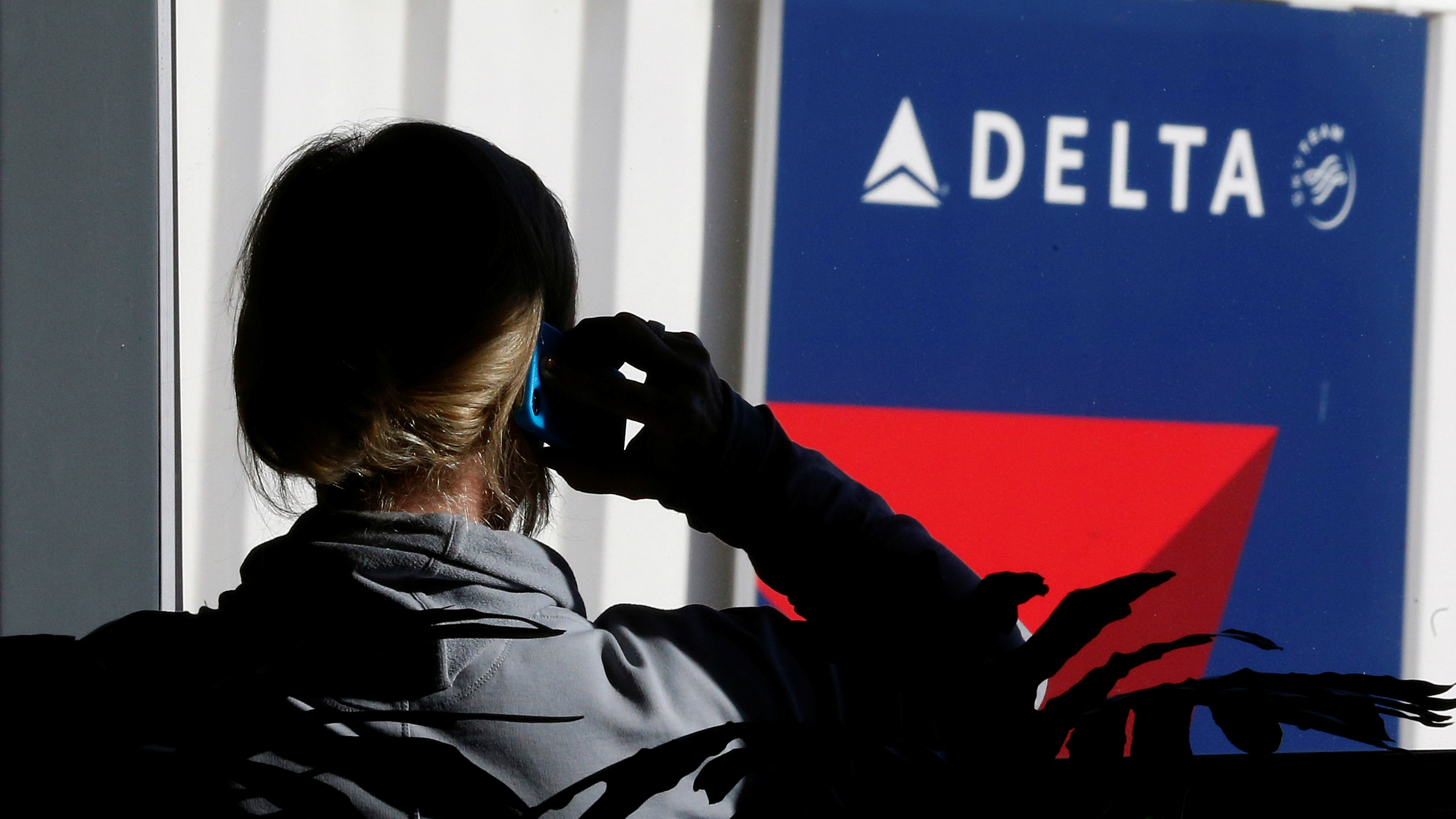 Does Delta Dal Offer Free In Flight Meals To Coach Passengers