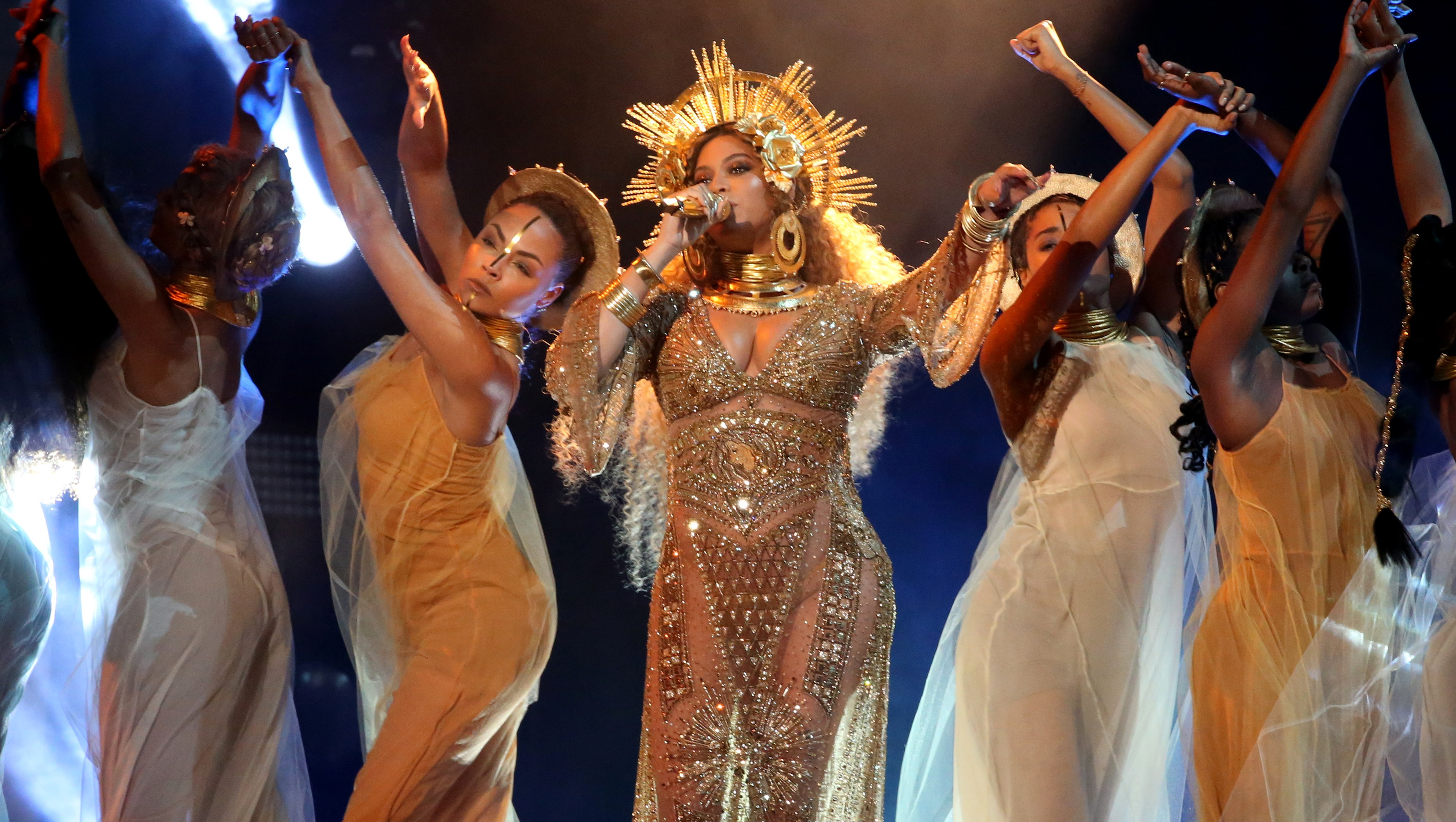 Beyonce performs at the 59th Annual Grammy Awards in Los Angeles, California, U.S. , February 12, 2017. REUTERS/Lucy Nicholson - RTSYCMS
