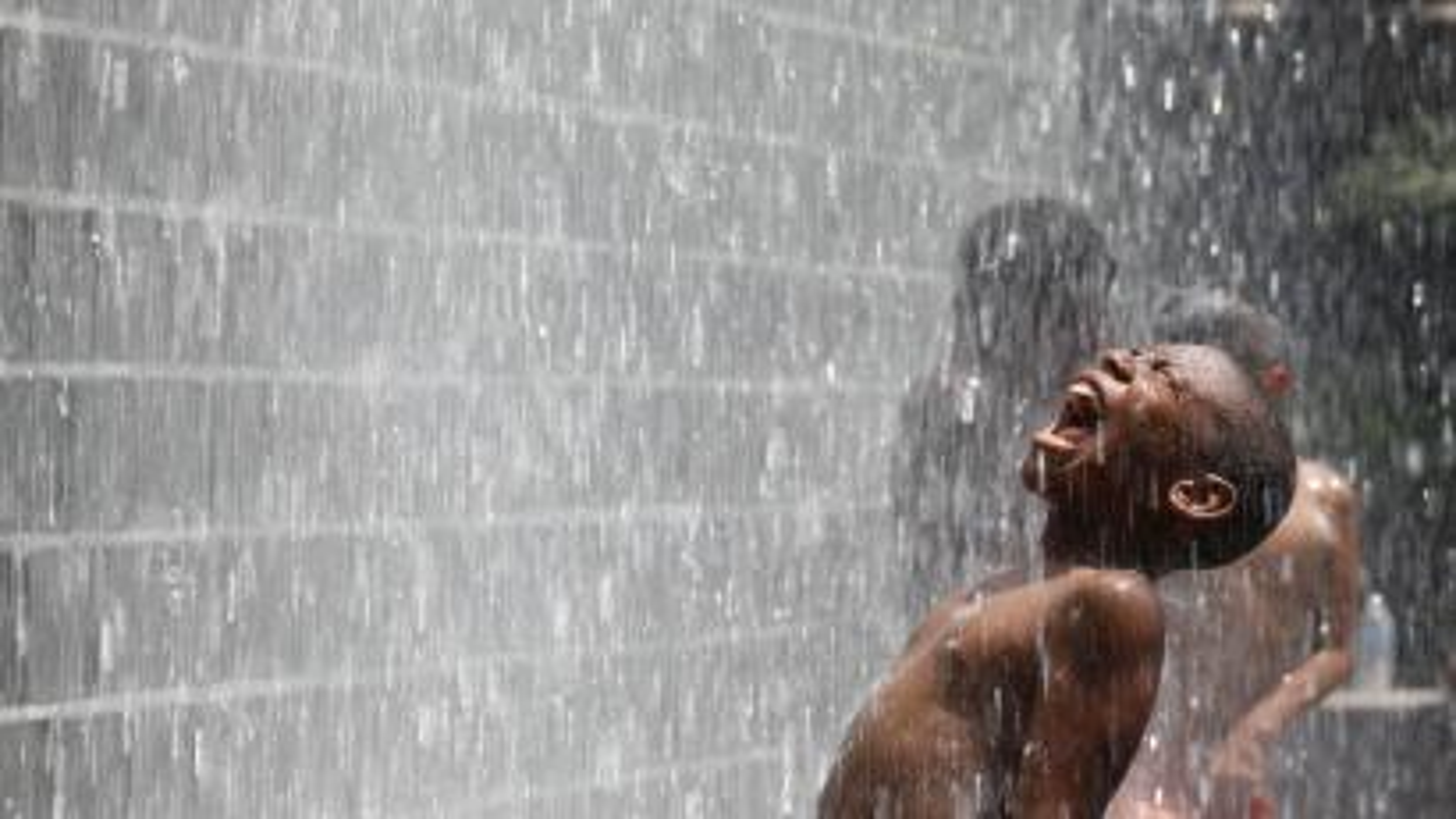Screaming water fountain boy cool down swim