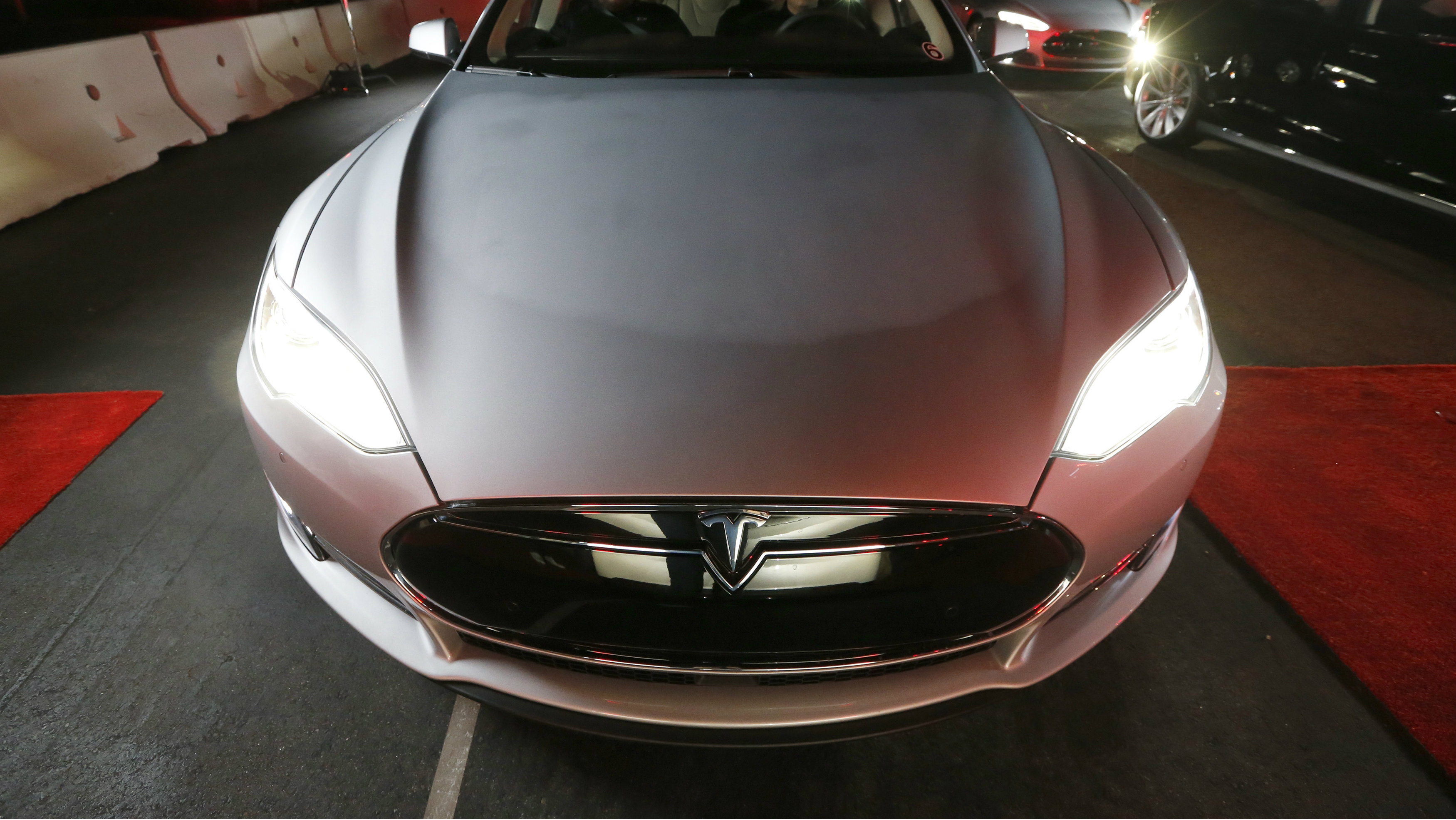 Luxury Cars For Sale Hong Kong >> Hong Kong S Love Affair With Tesla Tsla Vehicles Looks Set To