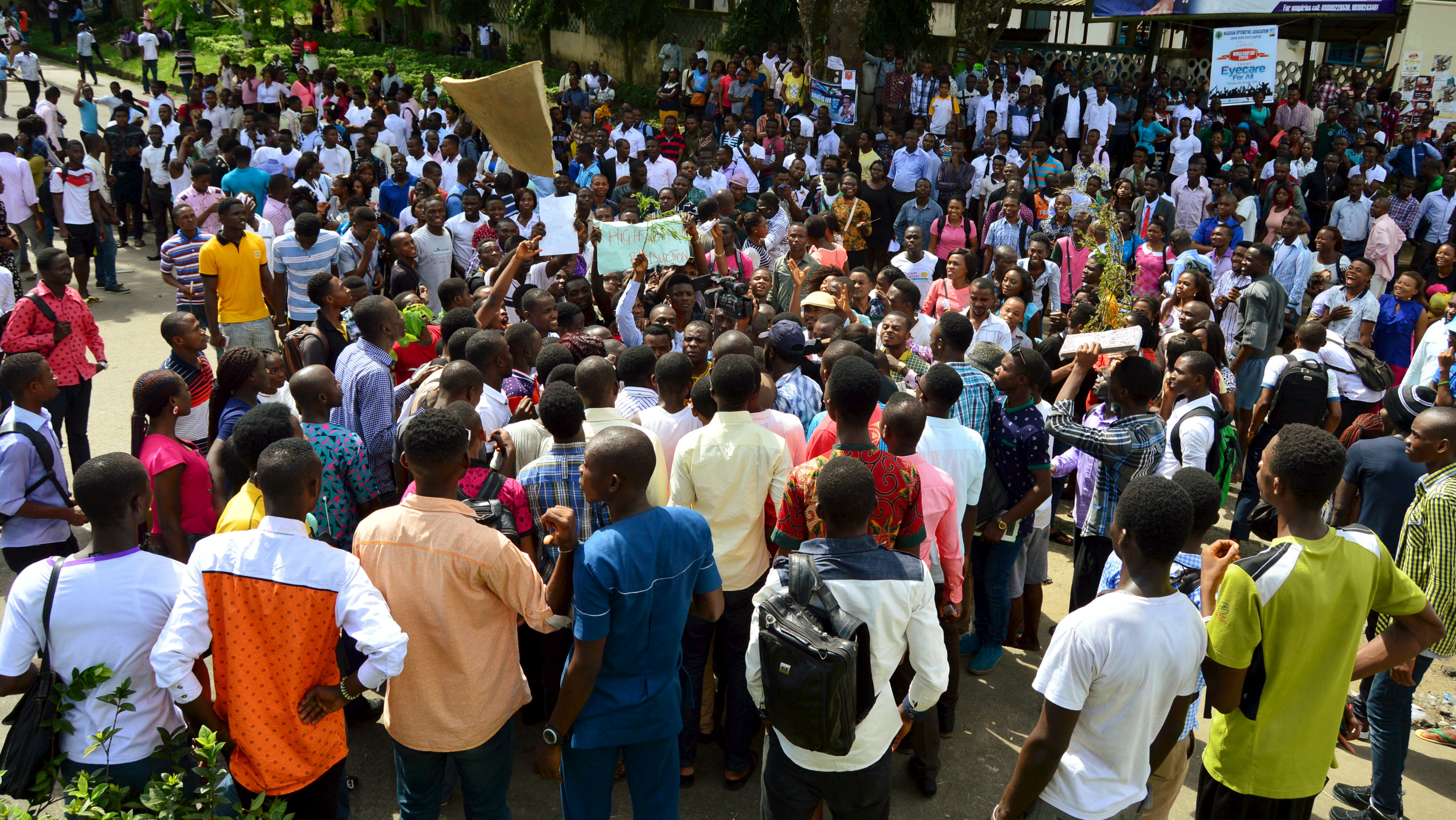 Students of the University of Calabar take part in a protest over tuition fees and against what they say is poor infrastructure in the university, in Calabar, Nigeria October 12, 2015.