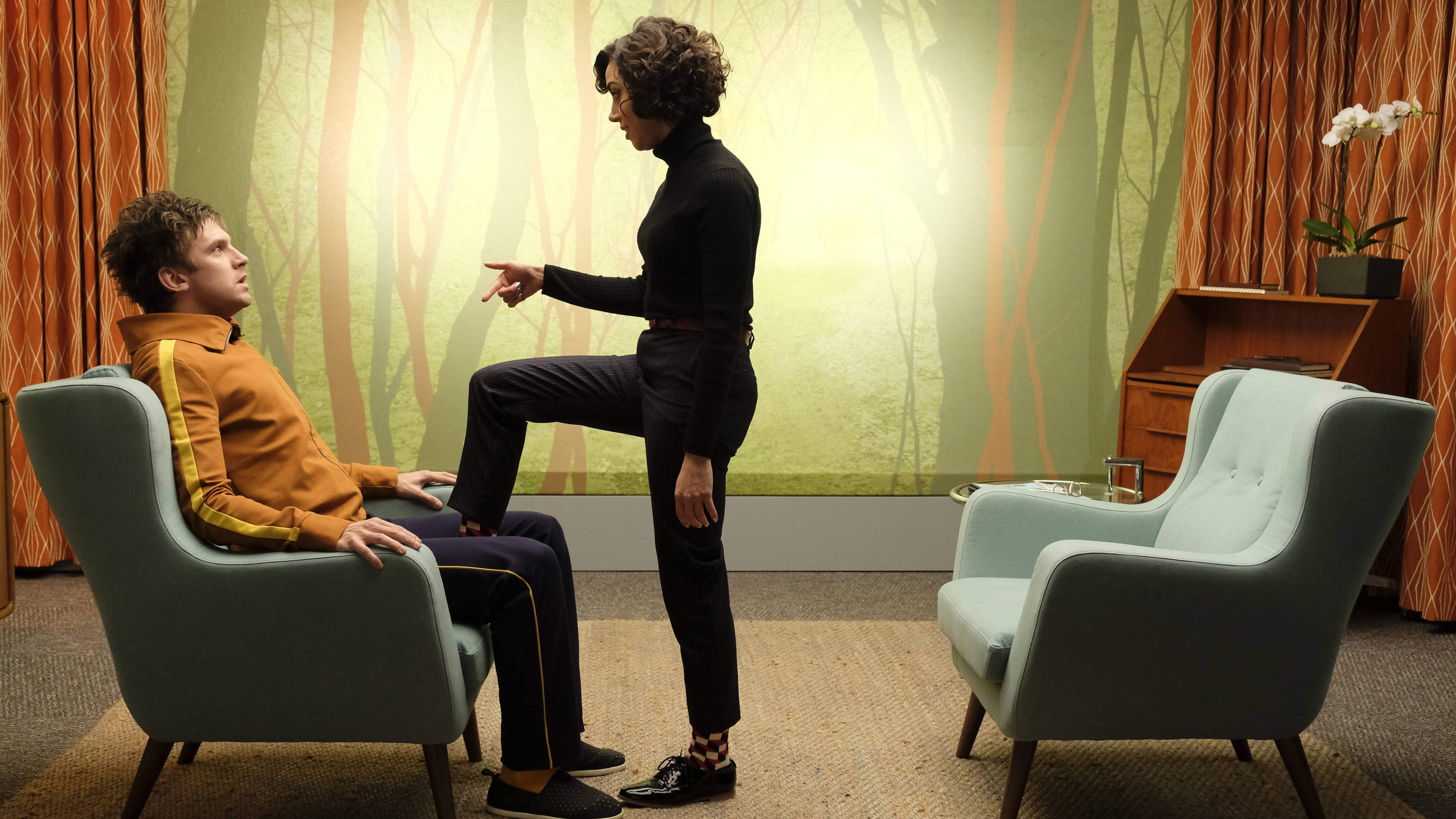 """LEGION -- """"Chapter 6"""" – Season 1, Episode 6 (Airs Wednesday, March 15, 10:00 pm/ep) -- Pictured: (l-r) Dan Stevens as David Haller, Aubrey Plaza as Lenny """"Cornflakes"""" Busker. CR: Michelle Faye/FX"""