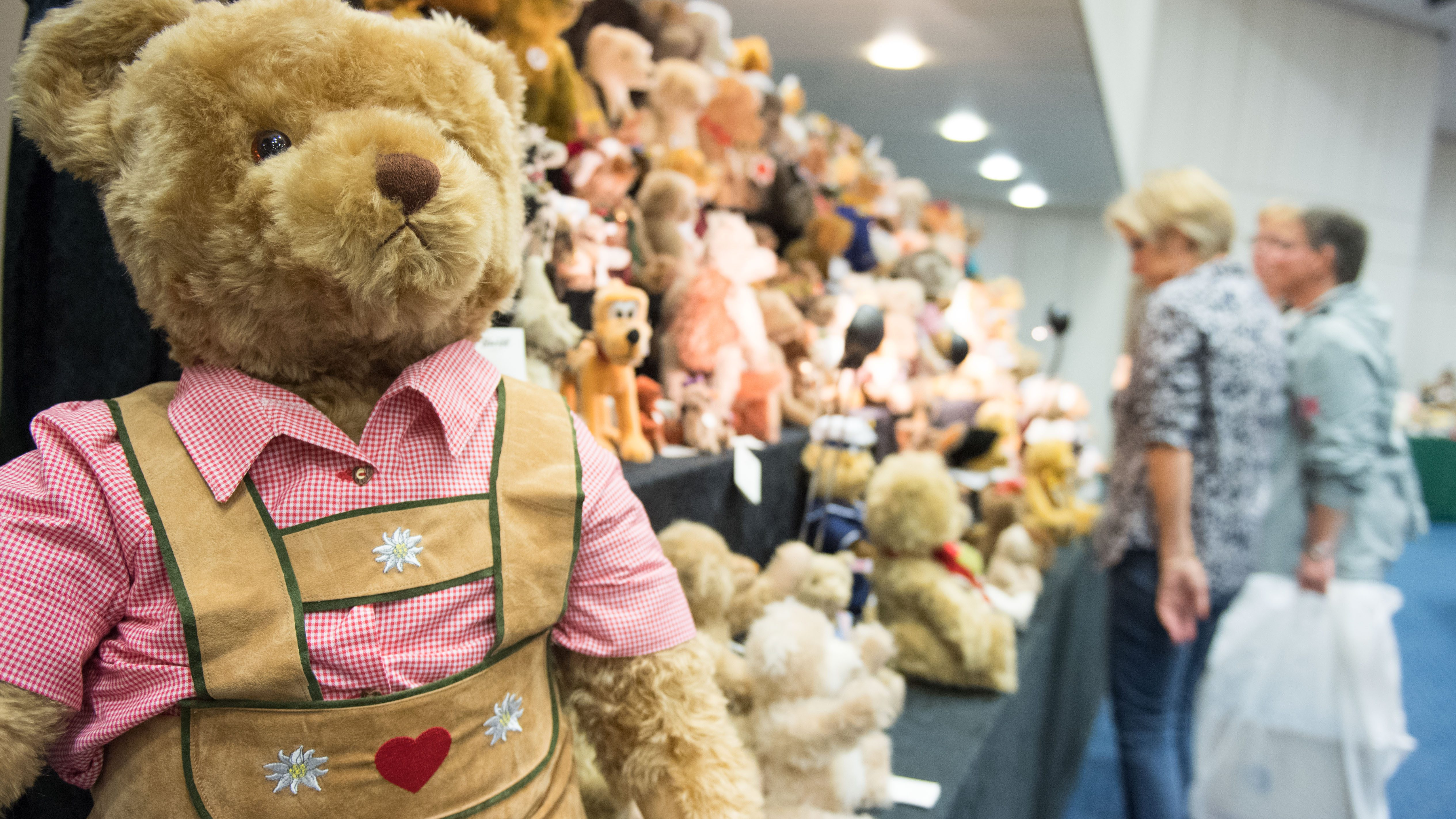 Teddy bears are on display at the Euro Teddy 2016 trade show in Essen, Germany, 08 October 2016. Some 160 exhibitors showcase their products at the teddy bear trade show.
