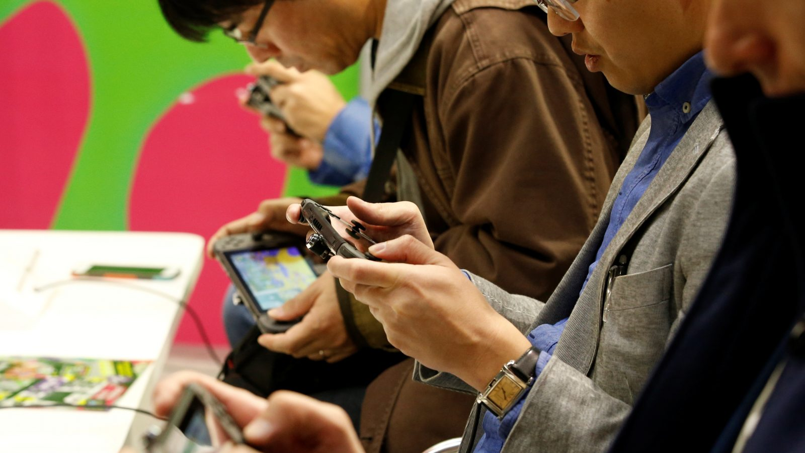 People play Nintendo's new game console Switch at its experience venue in Tokyo, Japan January 13, 2017. REUTERS/Kim Kyung-Hoon - RTX2YRDE