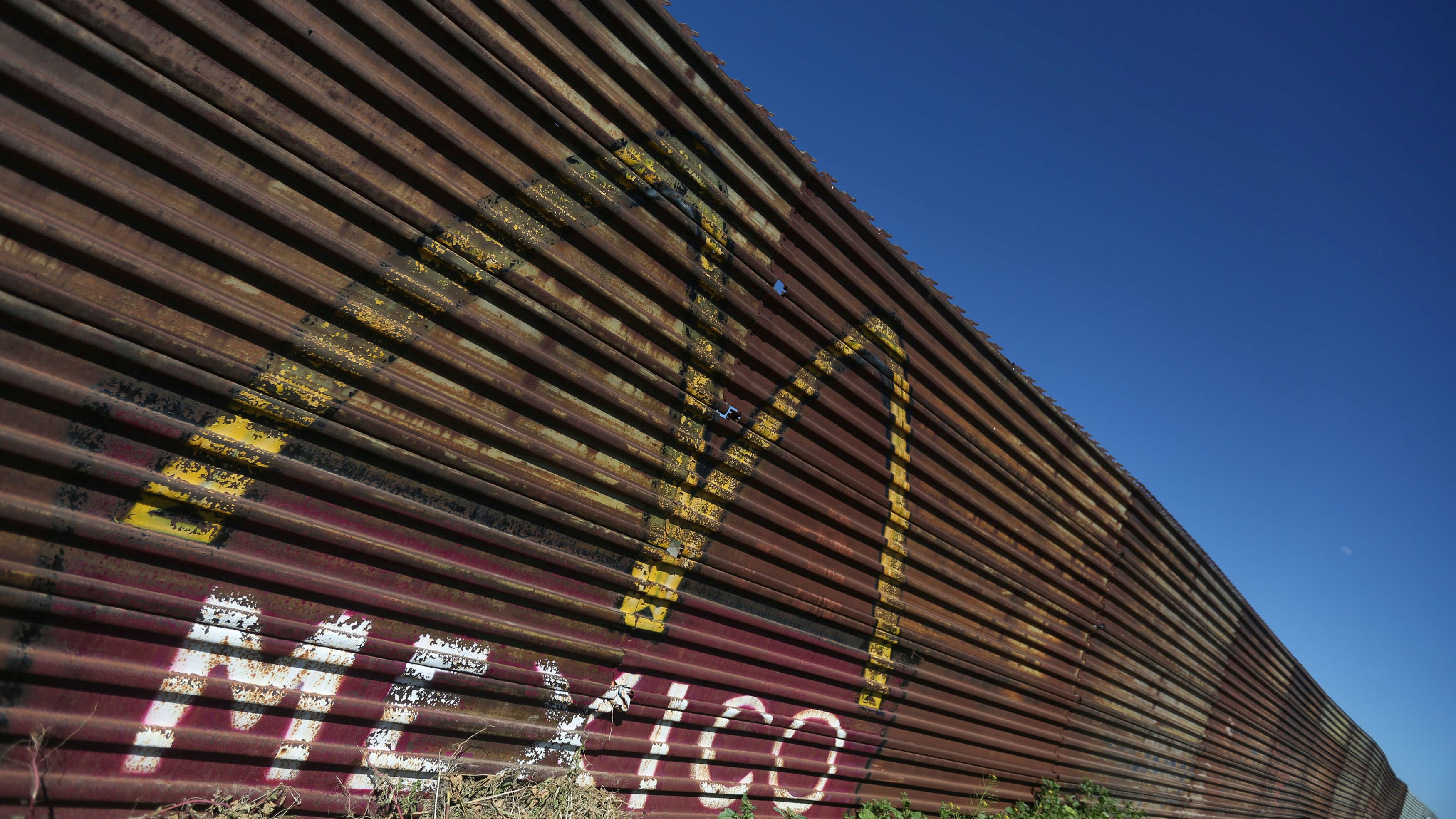 A view of a section of the wall separating Mexico and the United States, in Tijuana, Mexico, March 6, 2017. REUTERS/Edgard Garrido - RTS11PSW