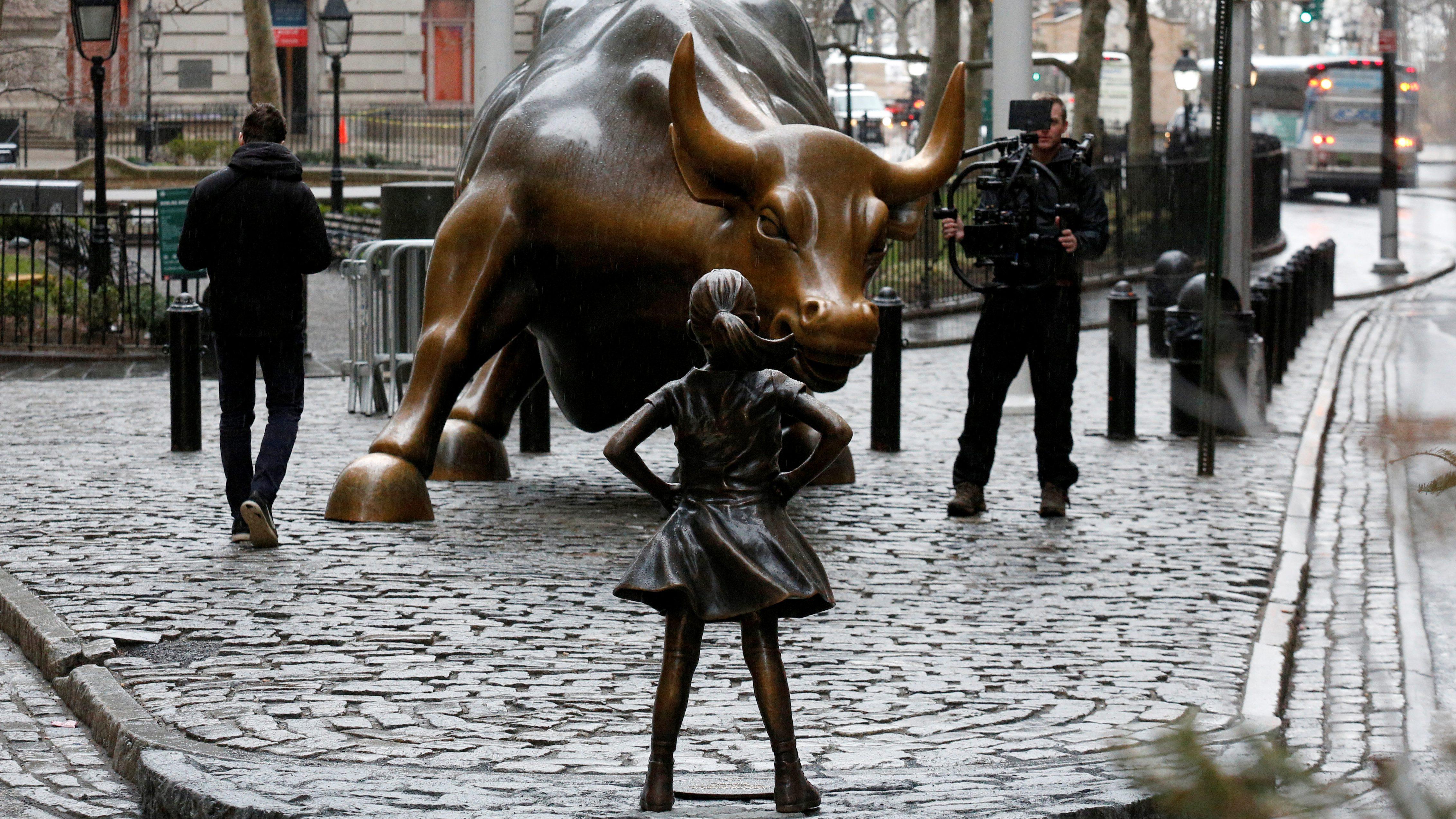 Wall Street Bull girl New York