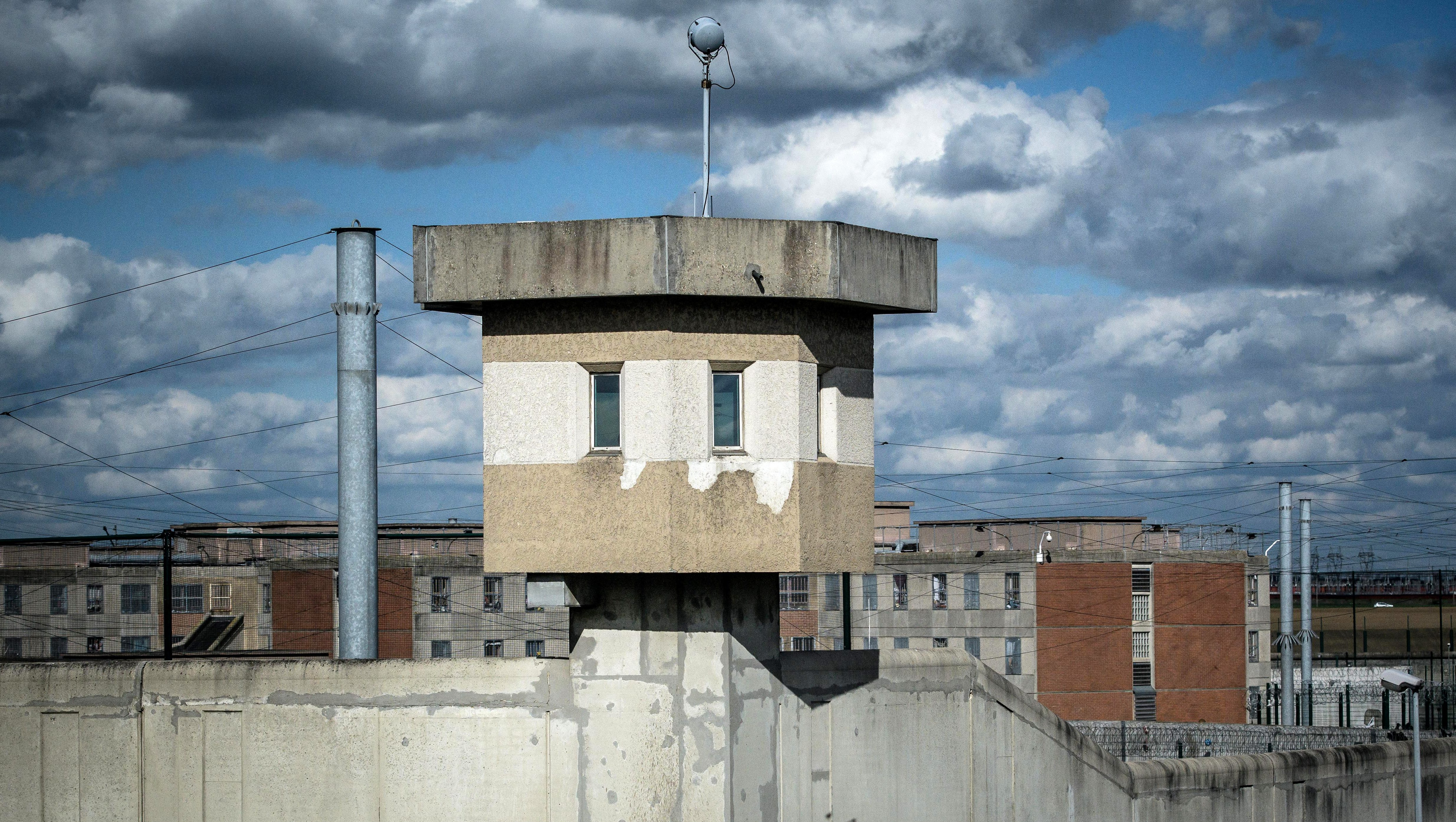 General view of a watchtower of the Villepinte prison during a visit of the French President in Villepinte, near Paris, France, March 22, 2017.  REUTERS/Christophe Petit Tesson/Pool - RTX32CM2