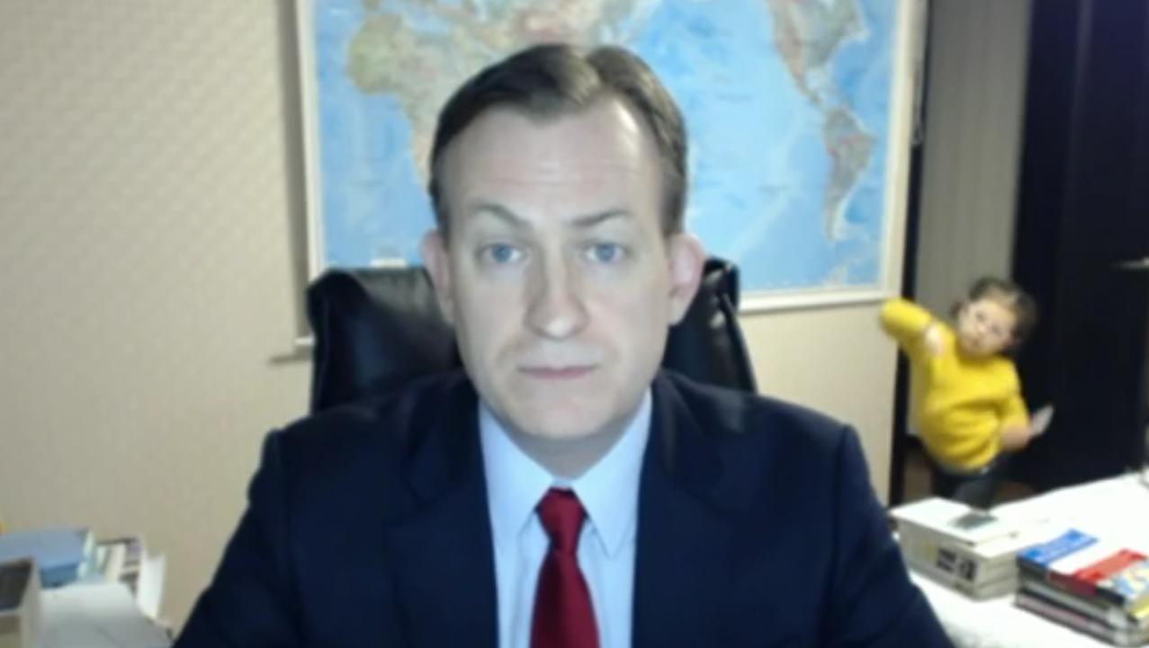 BBC Video dad Robert Kelly photo bomb