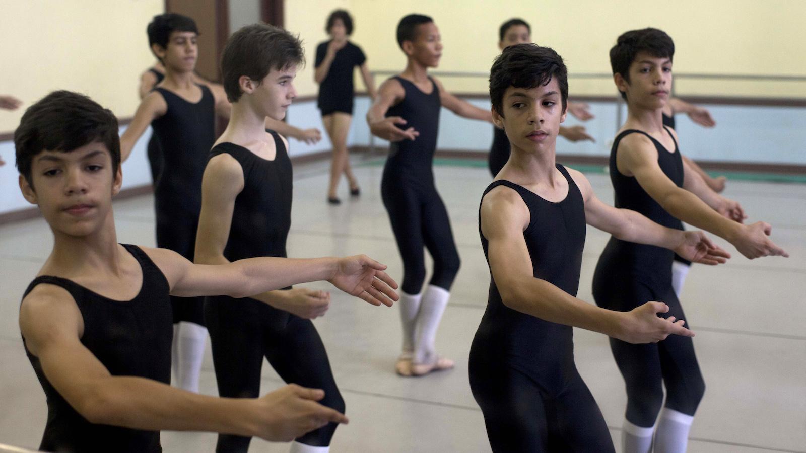 triplets dance ballet