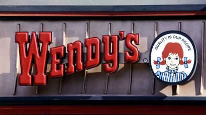 wendy s will make automate ordering at 1 000 stores this year quartz