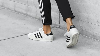 66a07ea7 The top 10 best-selling sneakers in 2016: Adidas beats Nike — Quartz