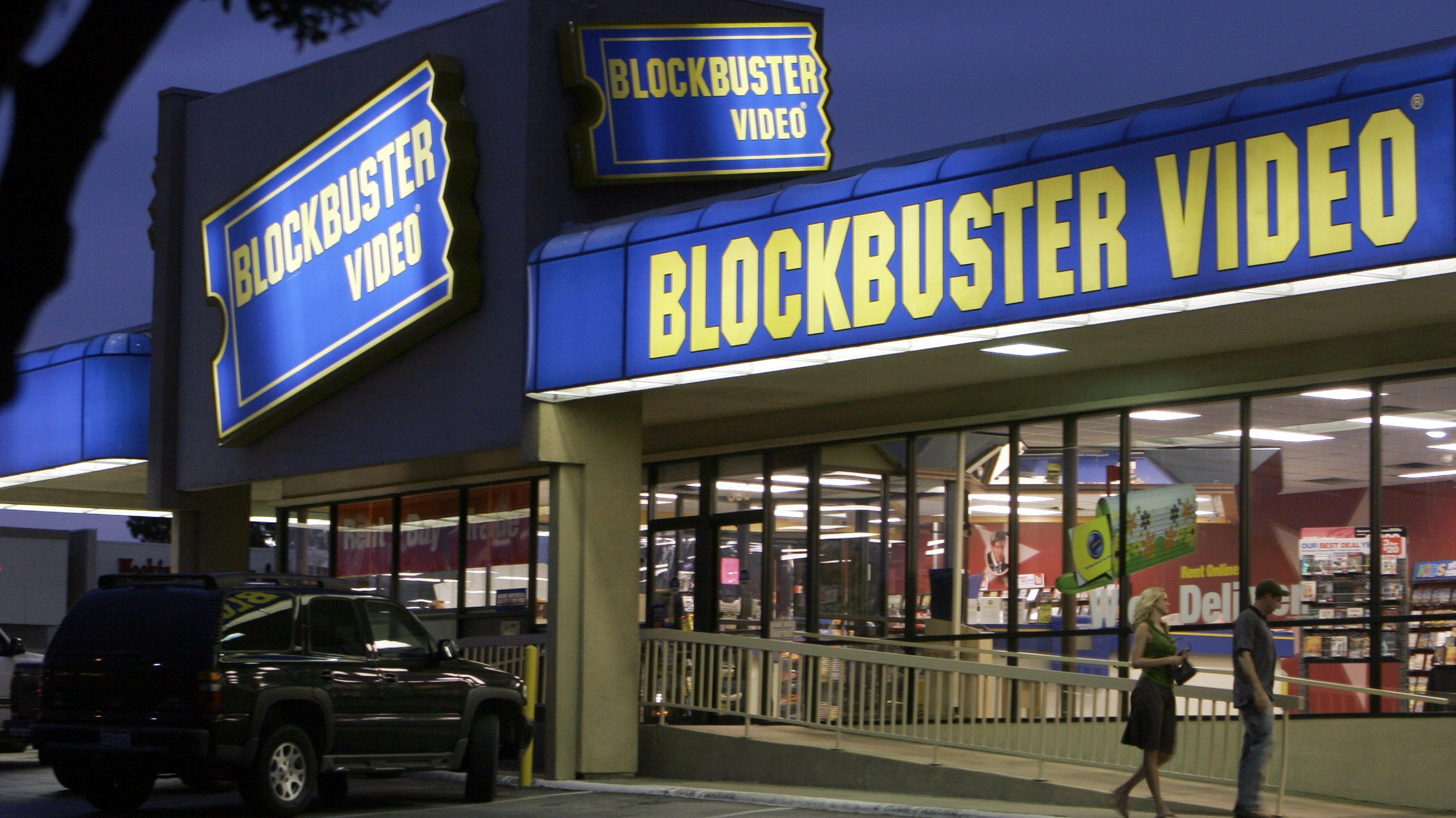 **FILE** In this July 23, 2008 file photo, customers enter a Blockbuster video store in Dallas. Circuit City Stores says it received a letter Friday, May 9, 2008, stating Blockbuster's largest shareholder Carl Icahn is prepared to buy the company if Blockbuster does not receive the appropriate financing or shareholder approval. (AP Photo/Ron Heflin, File)
